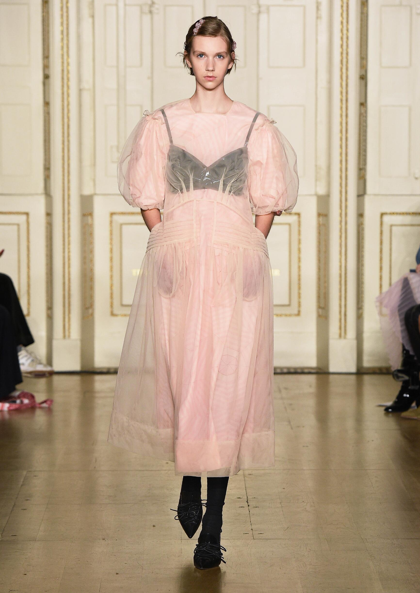 Catwalk Simone Rocha Women Fashion Show Winter 2019