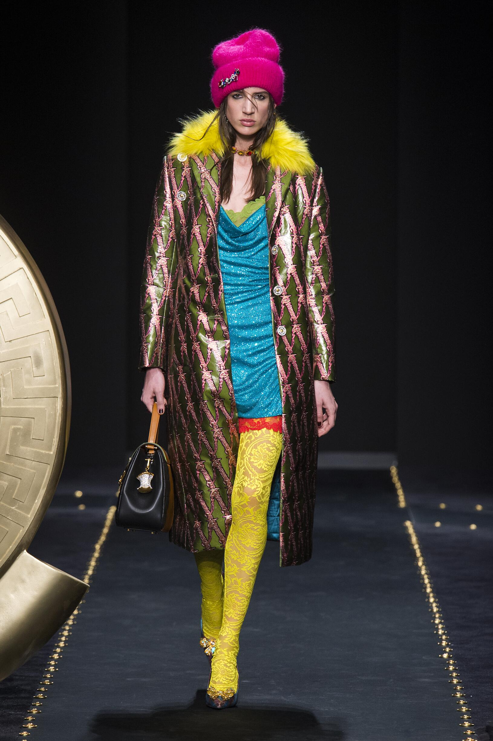 Catwalk Versace Women Fashion Show Winter 2019