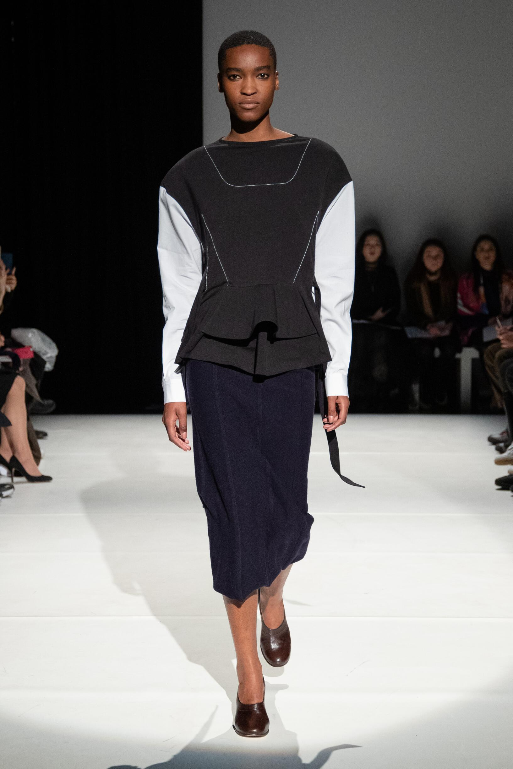 Chalayan Womenswear Fashion Show