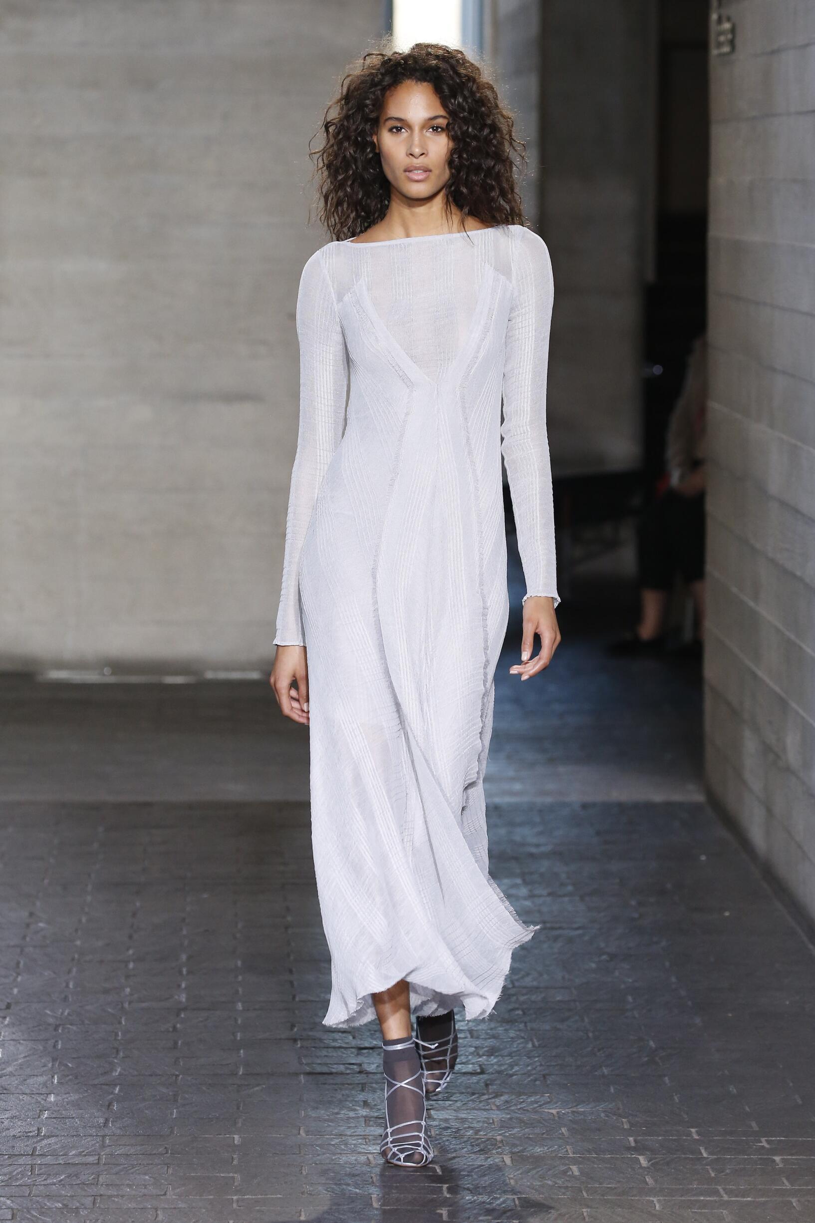 FW 2019-20 Fashion Show Roland Mouret