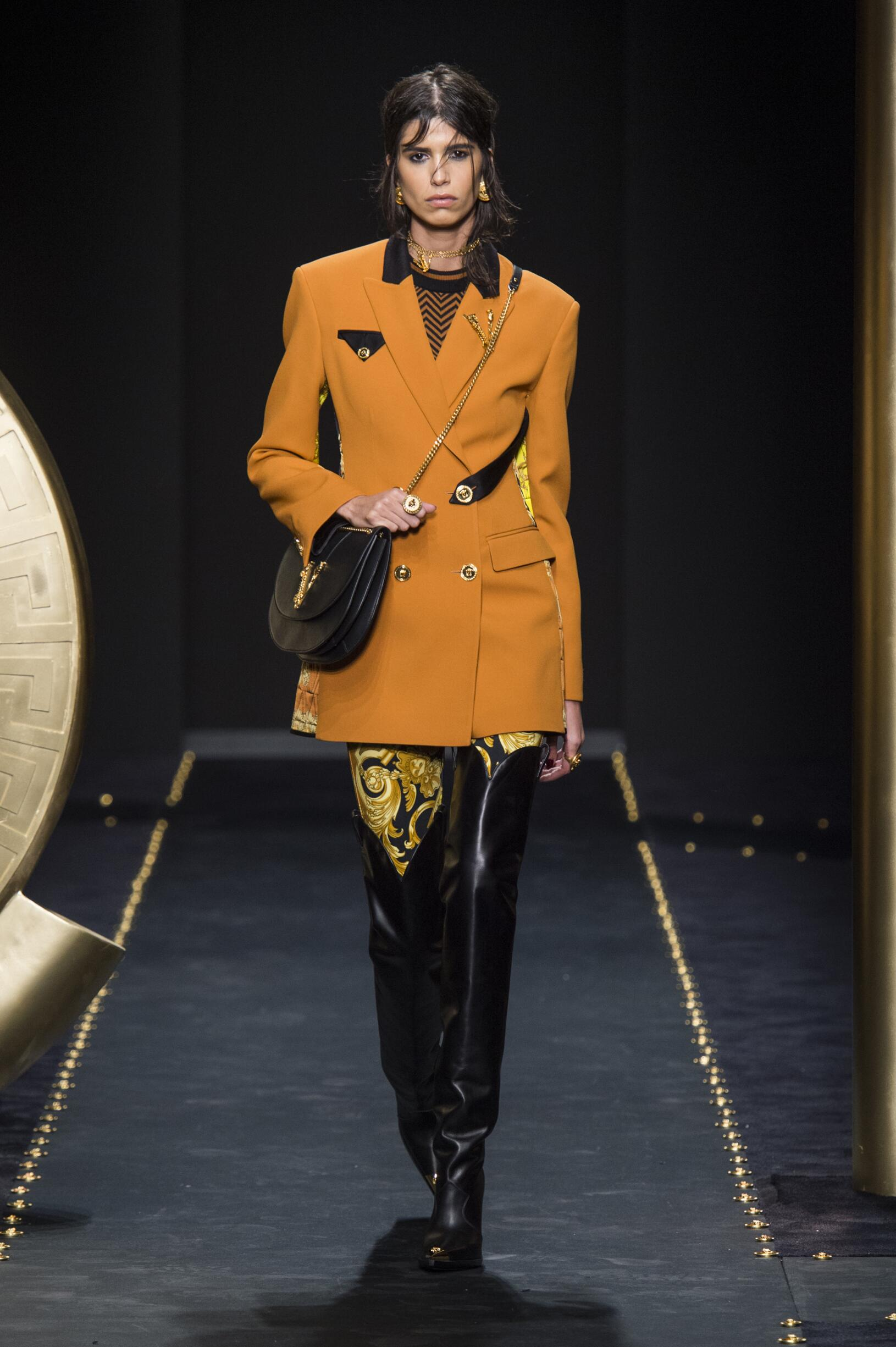FW 2019-20 Versace Fashion Show