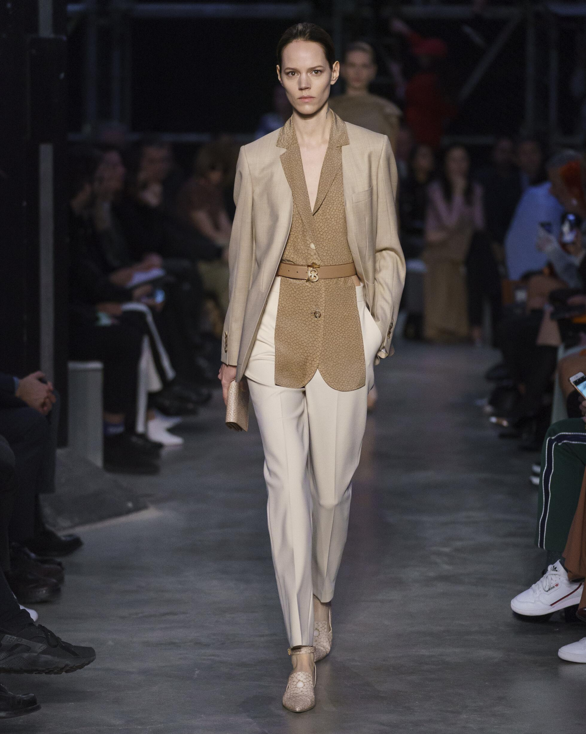 FW 2019 Burberry Show London Fashion Week Womenswear