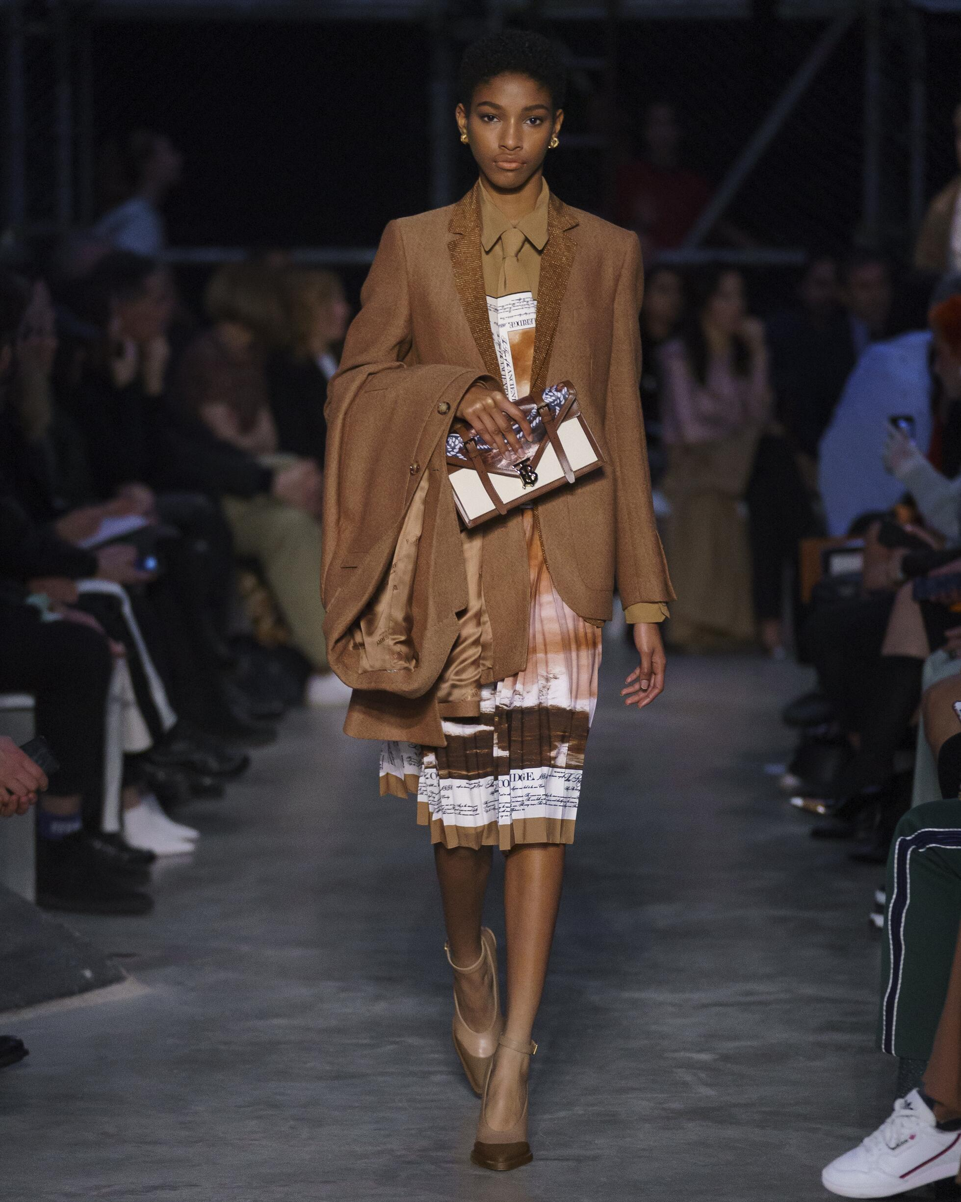 FW 2019 Burberry Show London Fashion Week