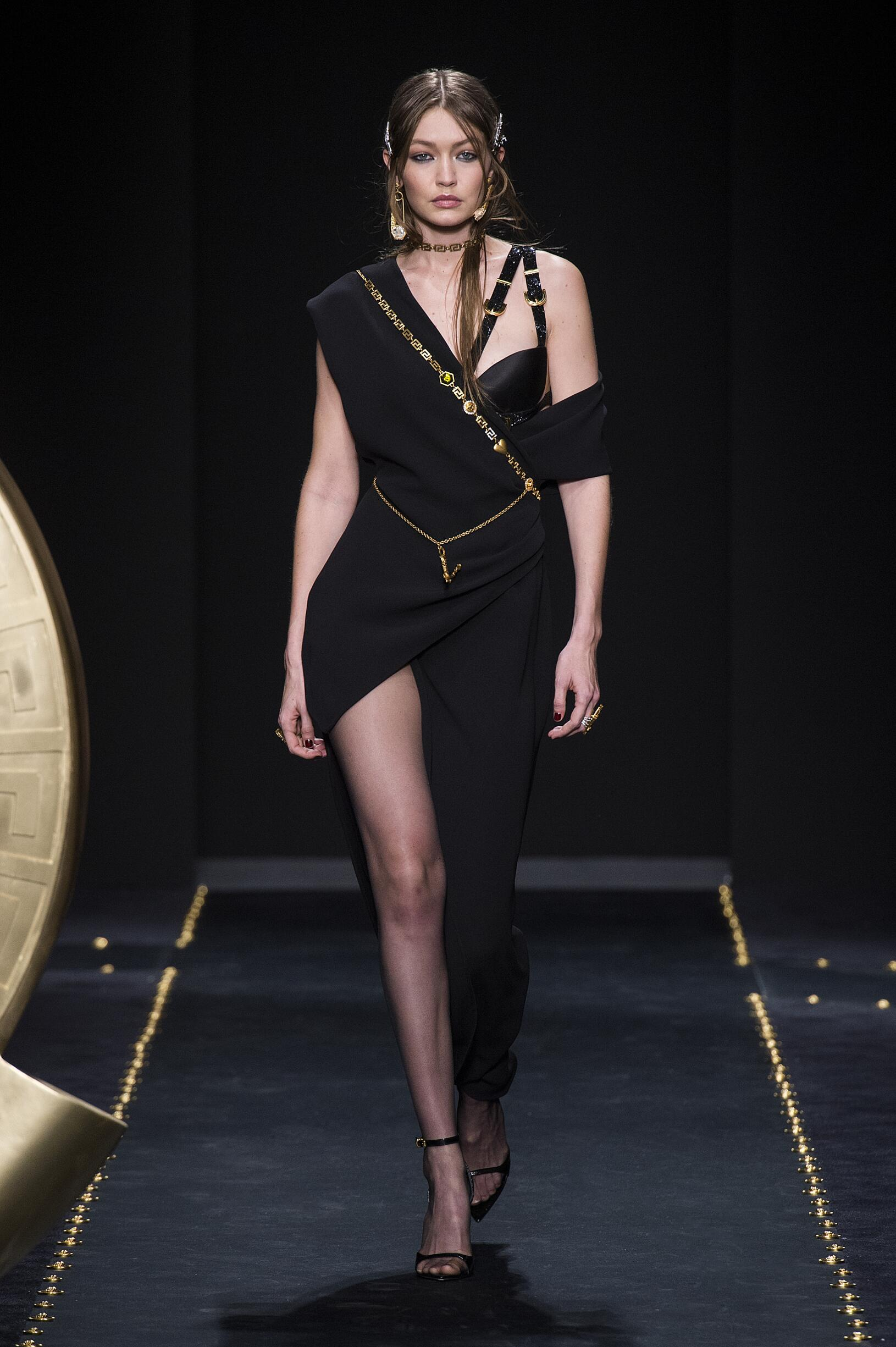 FW 2019 Versace Show Milan Fashion Week