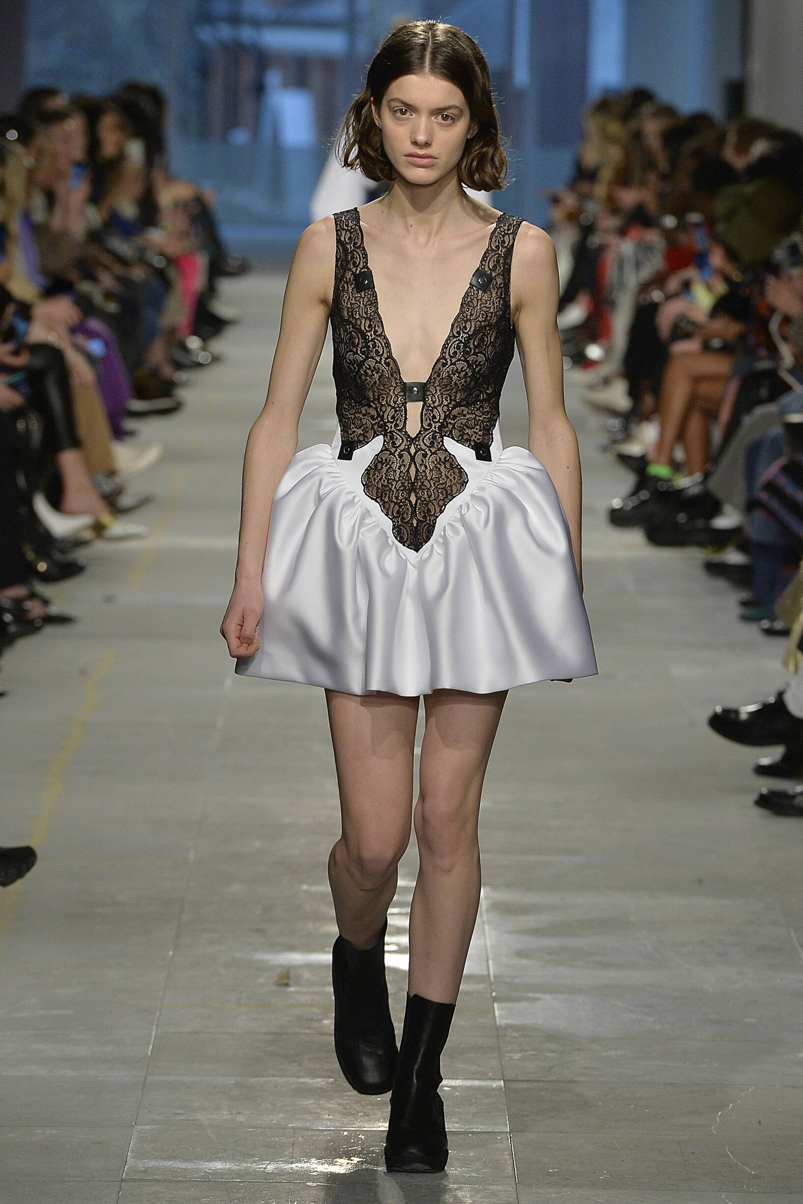 Fall Winter Fashion Trends 2019 Christopher Kane