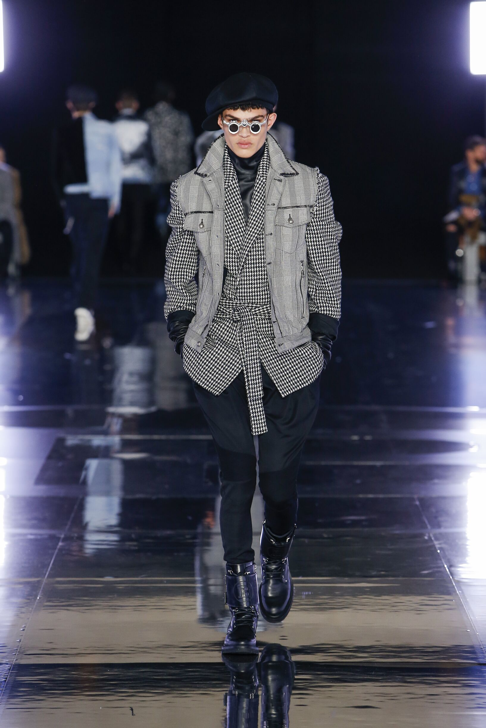 Fashion 2019 Runway Balmain FW