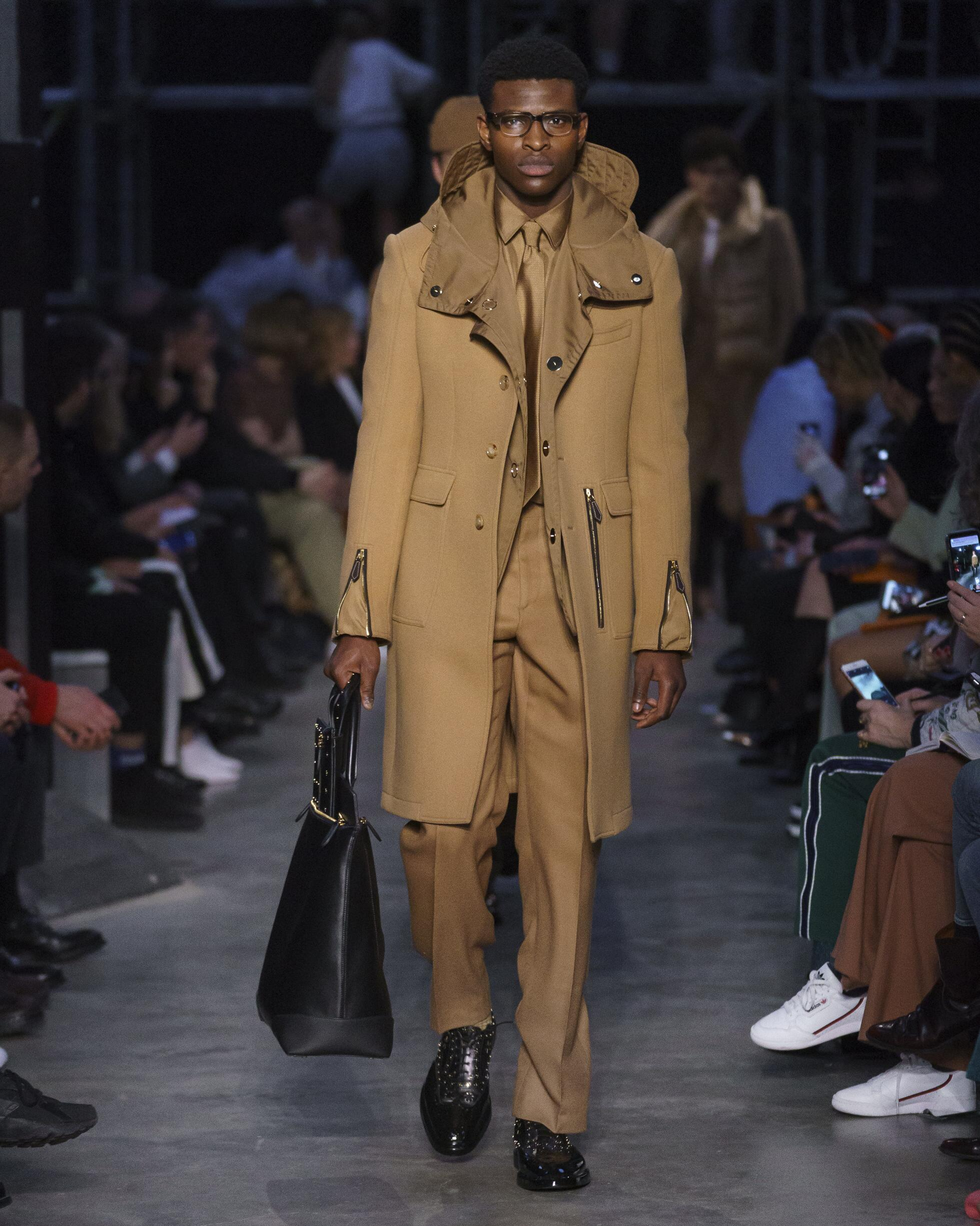 Fashion 2019 Runway Burberry FW