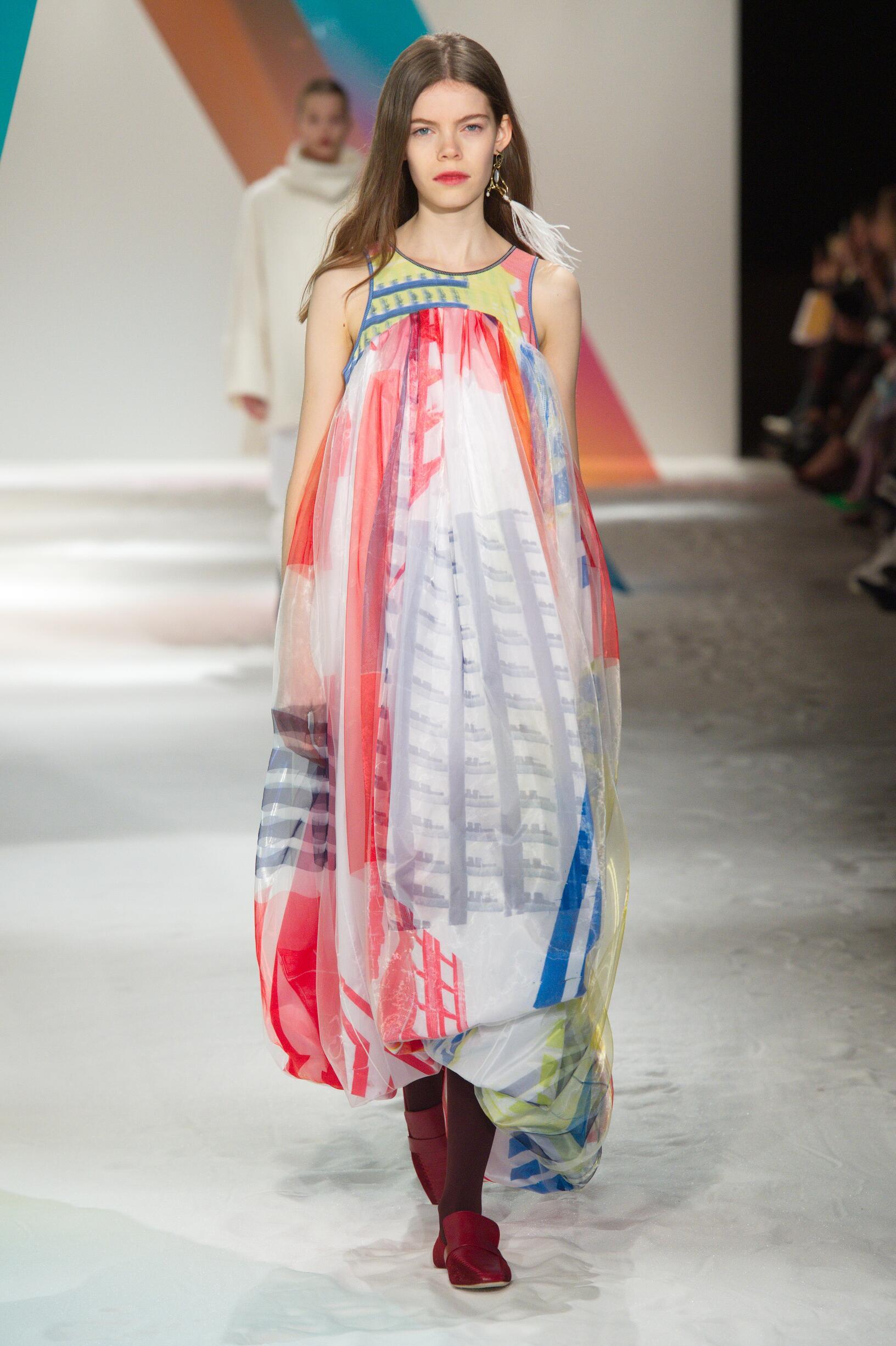 Fashion Show Woman Model Roksanda Catwalk