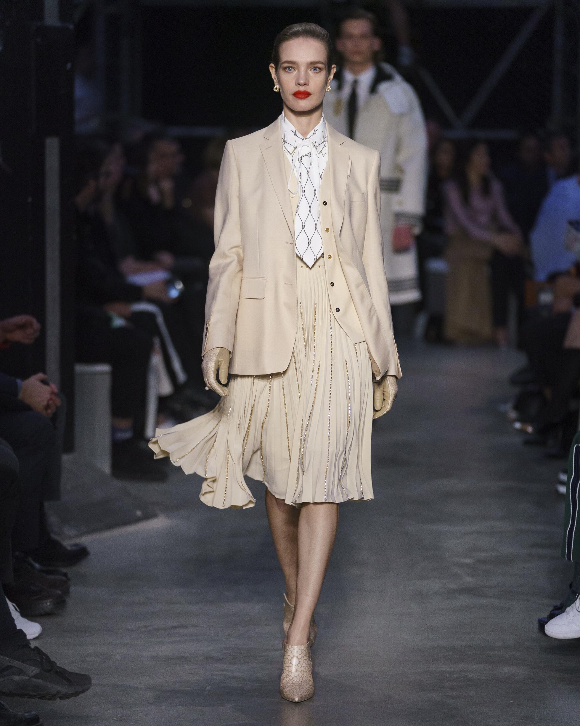 Fashion Trends 2019 Catwalk Burberry Winter Womens Collection