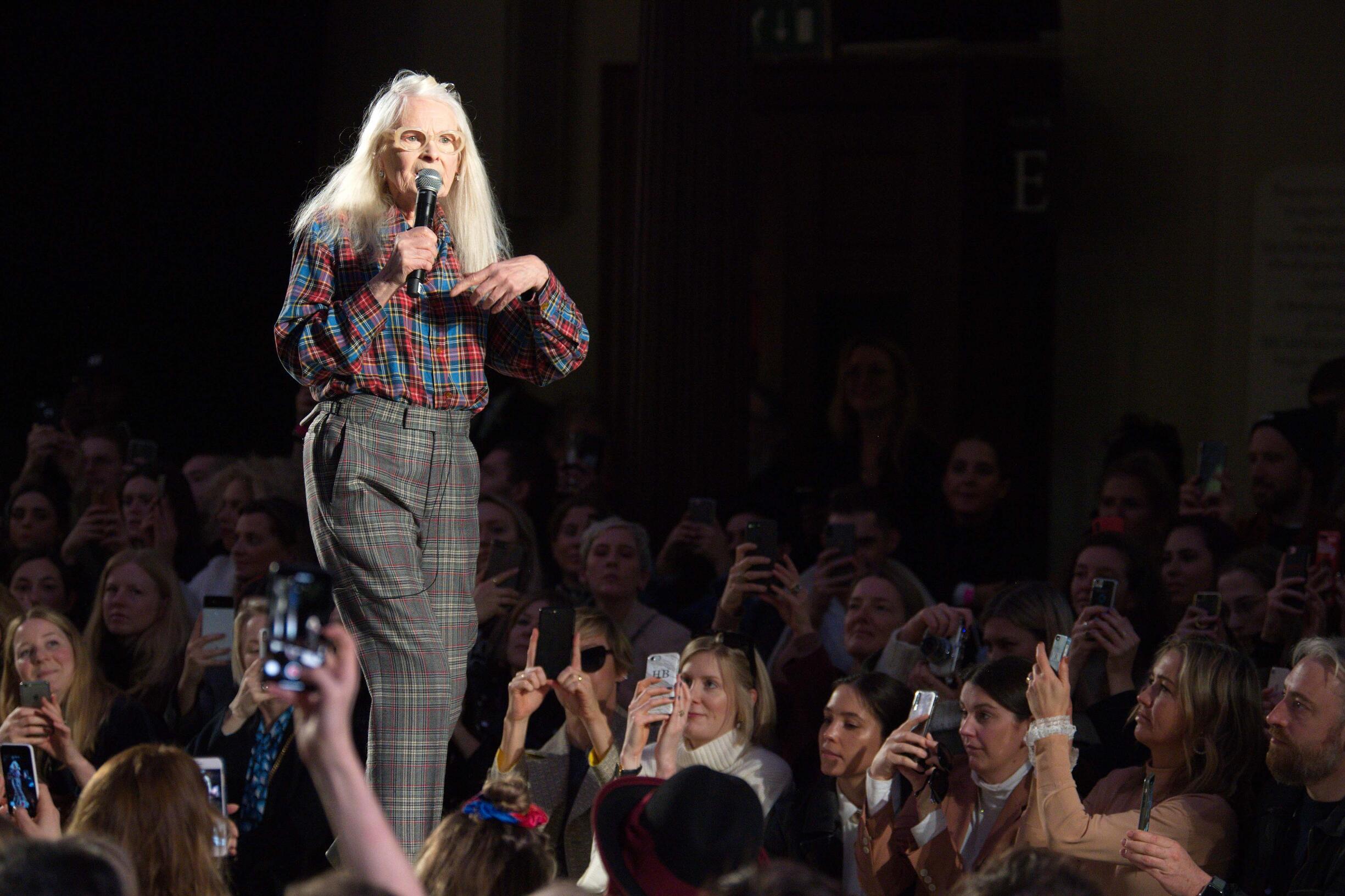 Finale Vivienne Westwood Fashion Show
