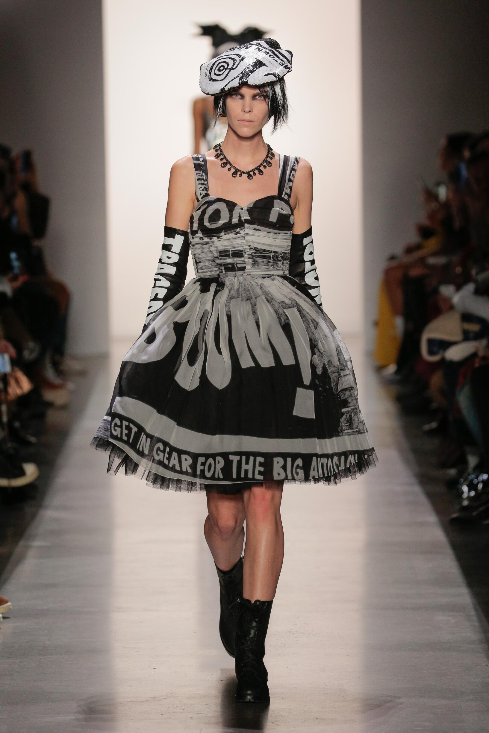 Jeremy Scott 2019 New York Women Trends