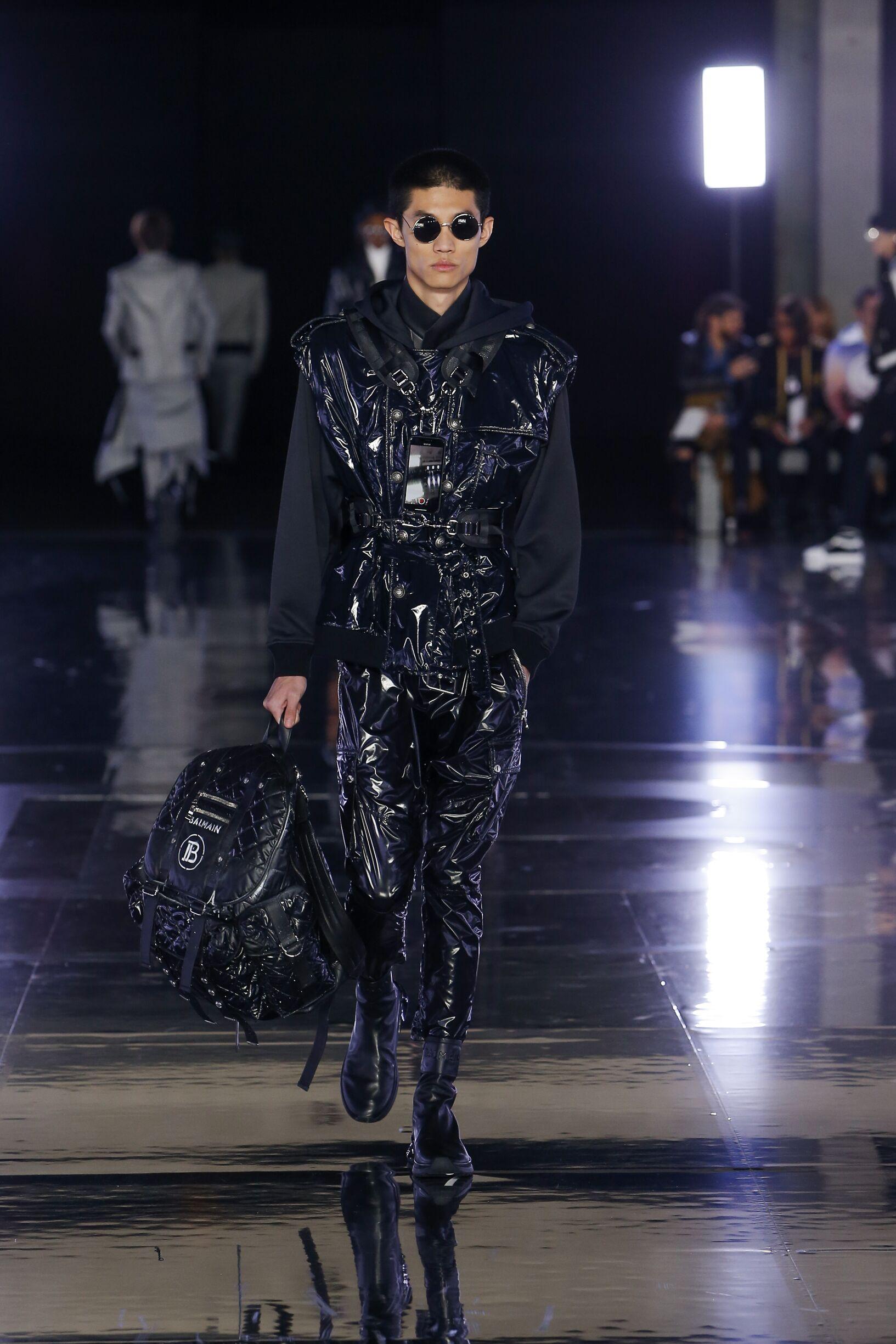 Man FW 2019 Balmain Show Paris Fashion Week