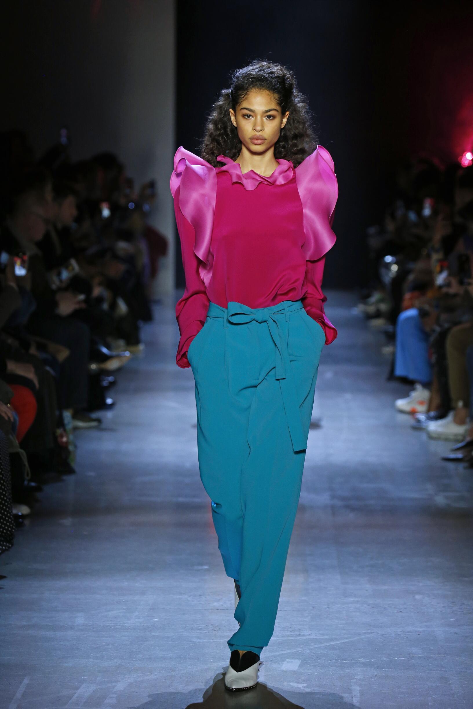 Model Fashion Show Prabal Gurung