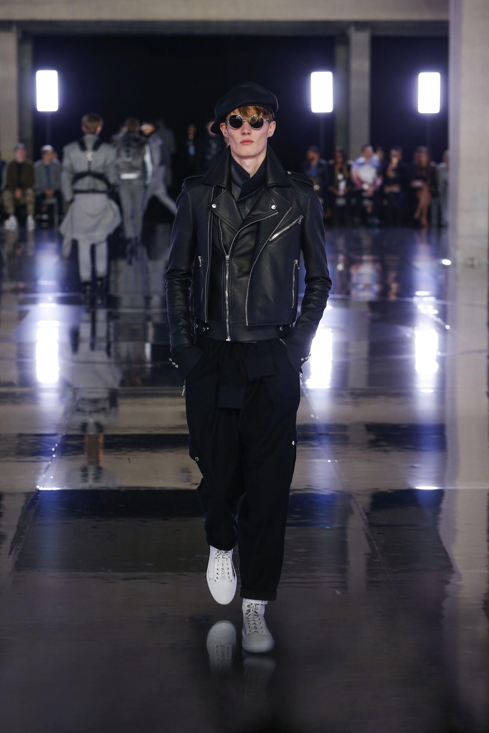 Model Fashion Week 2019 Catwalk Balmain