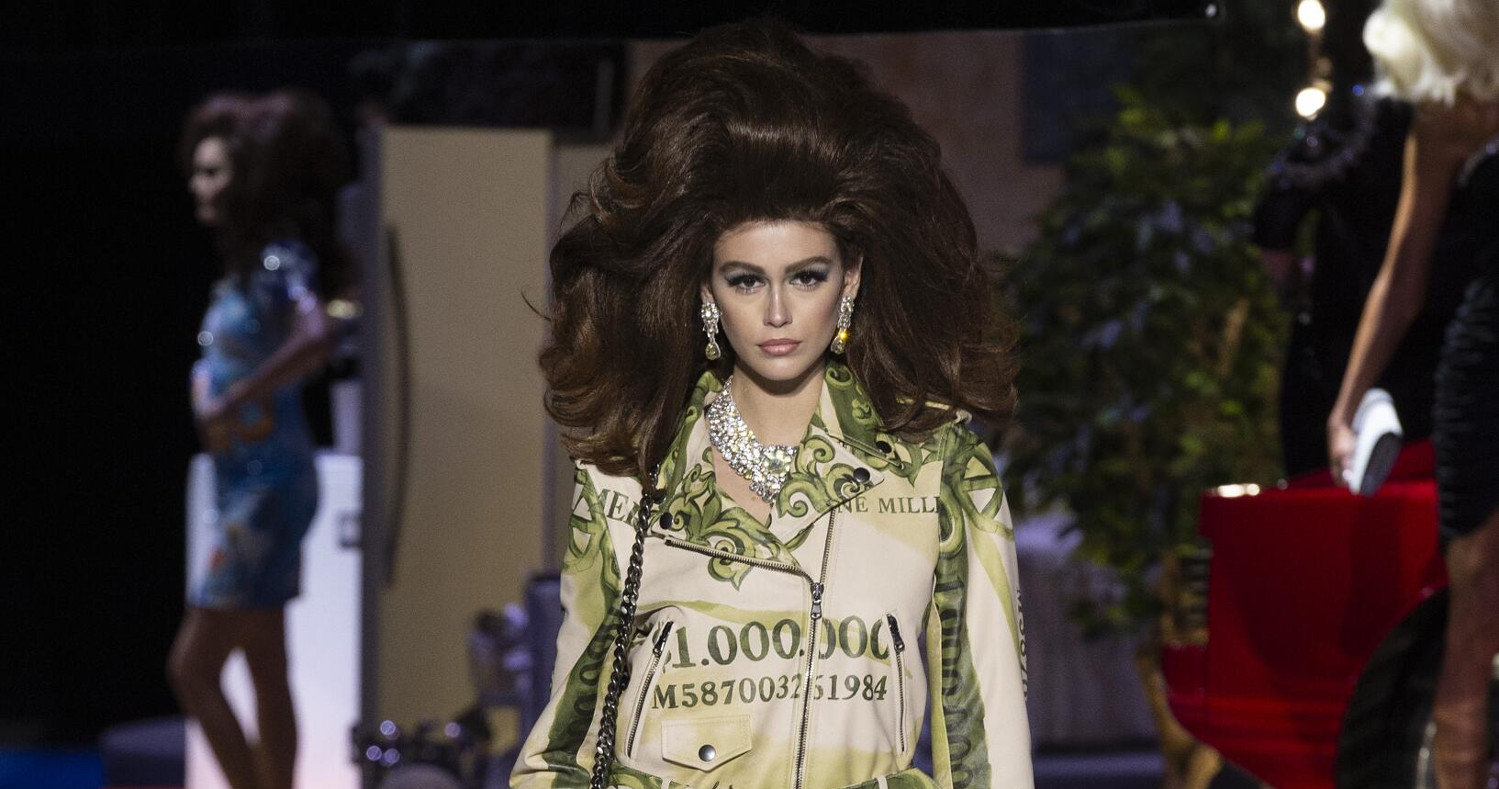 Moschino Fashion Show FW 2019 Milan