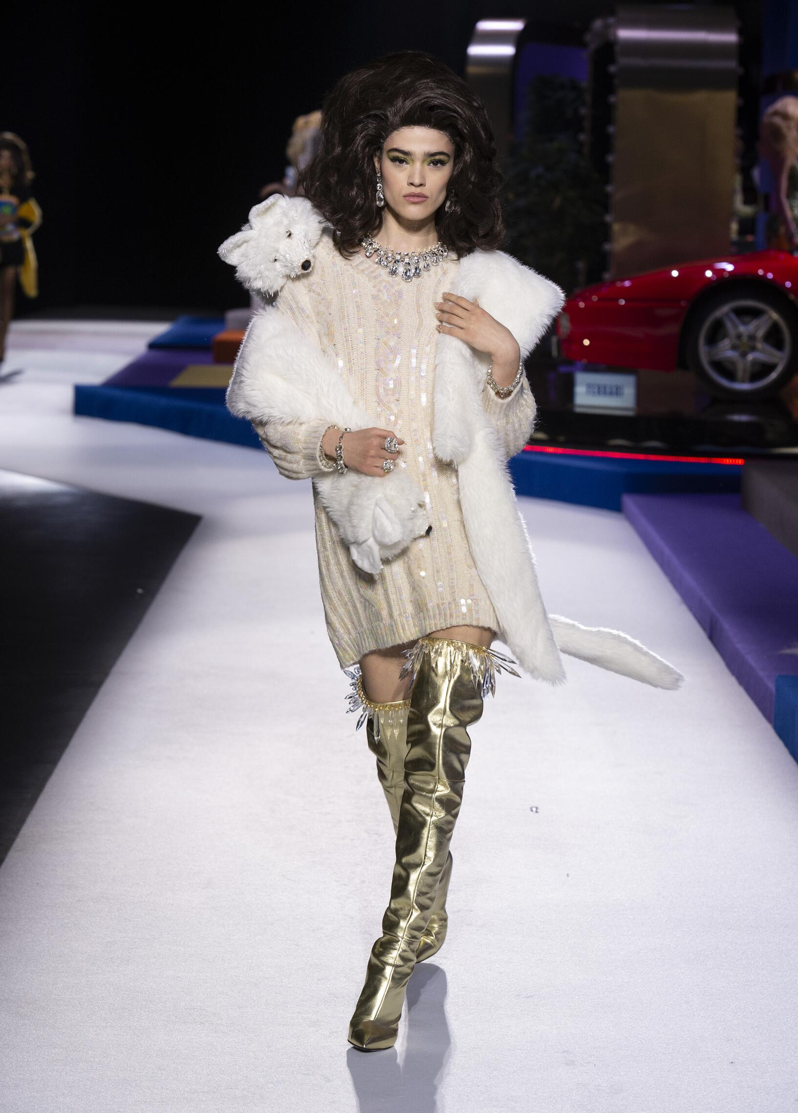 Moschino Woman Style FW 2019