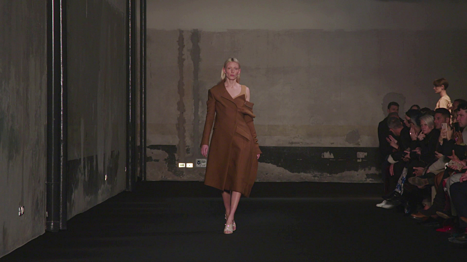 N°21 Fall Winter Collection 2019 - Milan Fashion Show