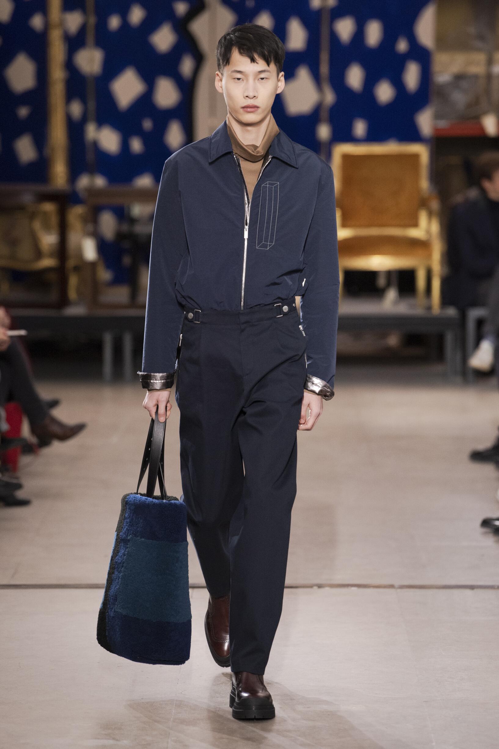 Runway Hermès Fall Winter 2019 Collection Paris Fashion Week