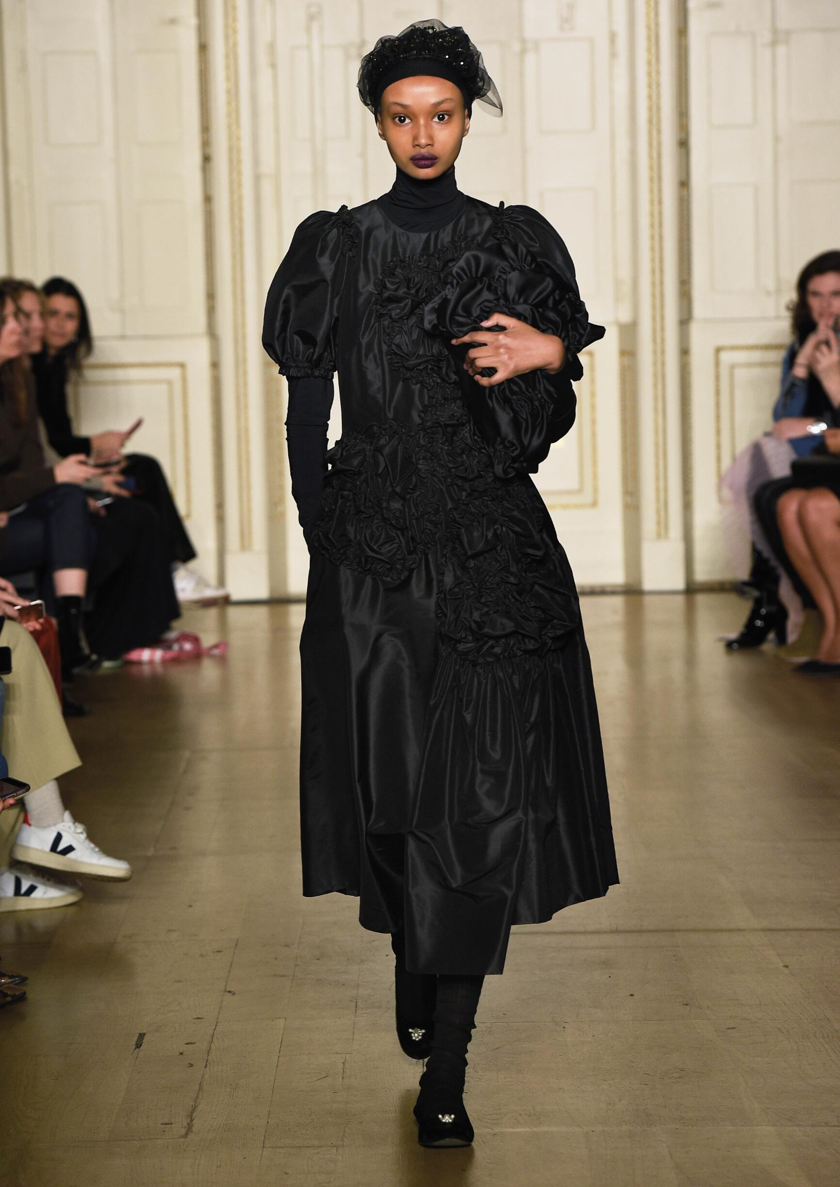 Simone Rocha Fall 2019 Catwalk