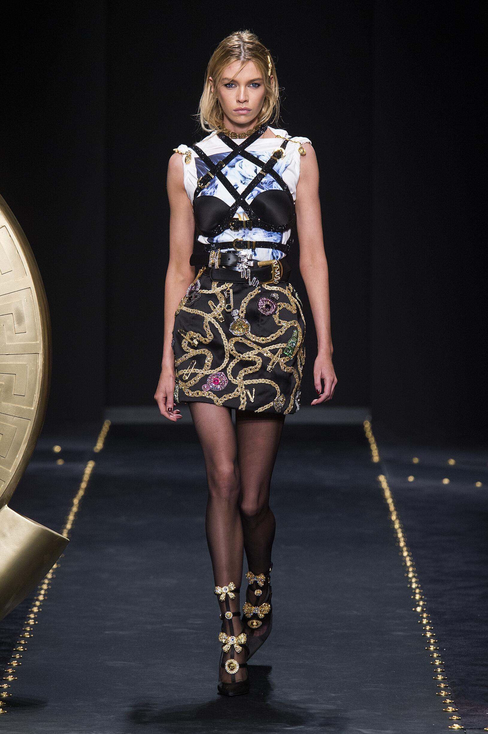 Versace 2019 Milan Trends