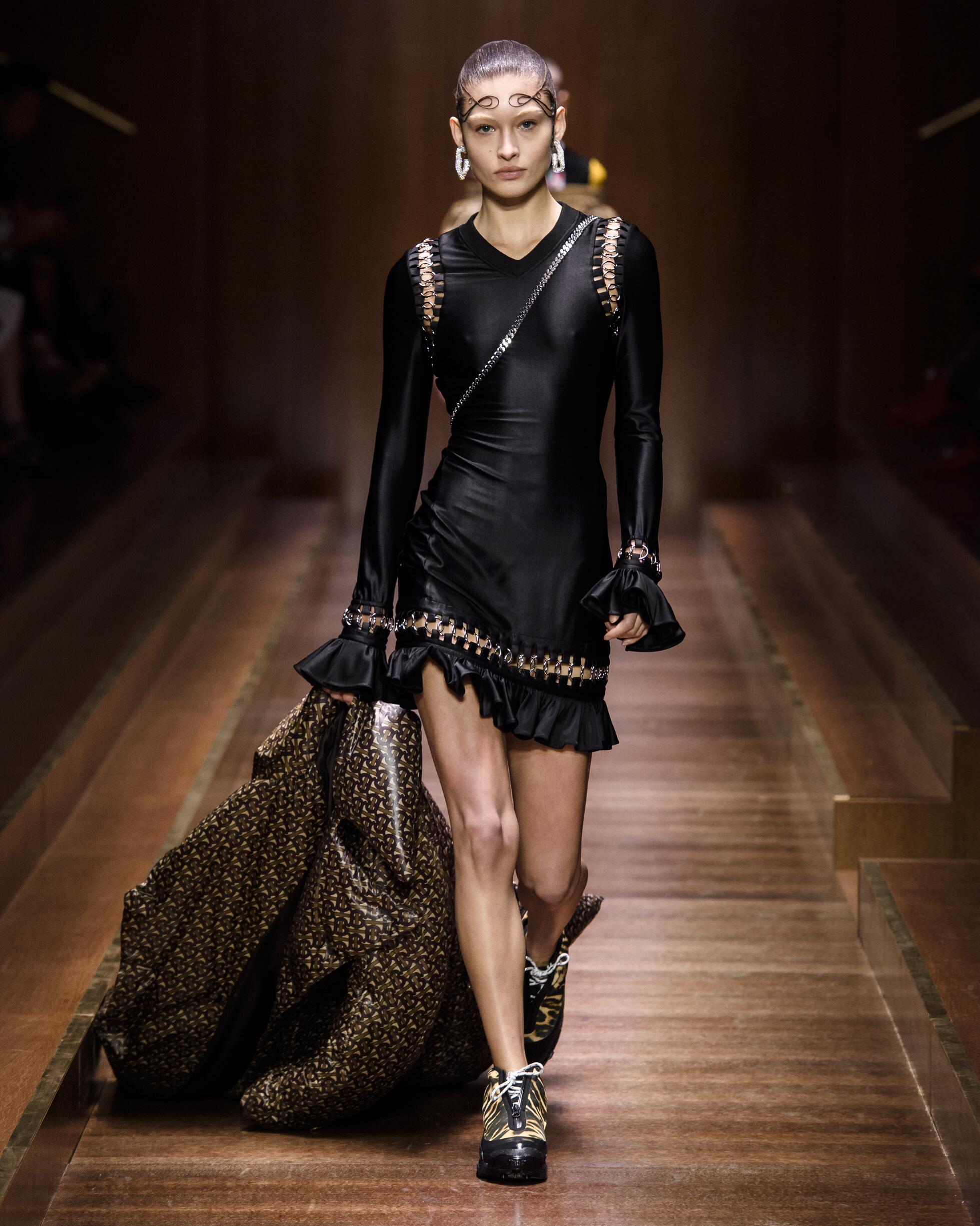 Winter 2019 Woman Trends Burberry