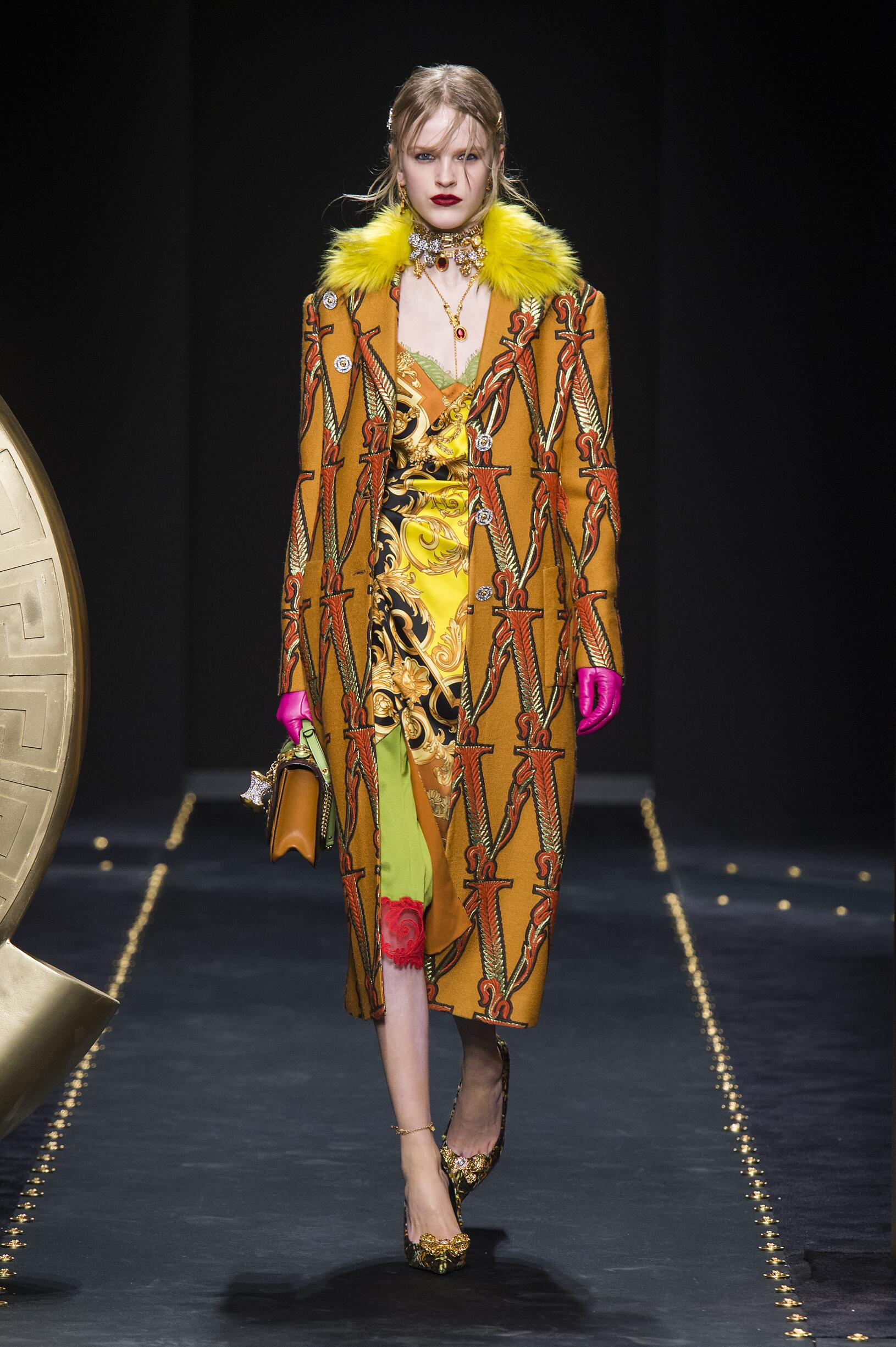 Winter 2019 Woman Trends Versace