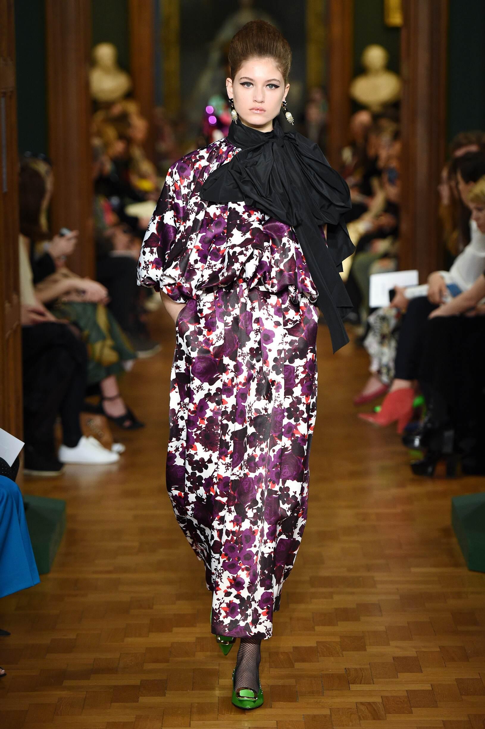 Woman FW 2019 Erdem Show London Fashion Week