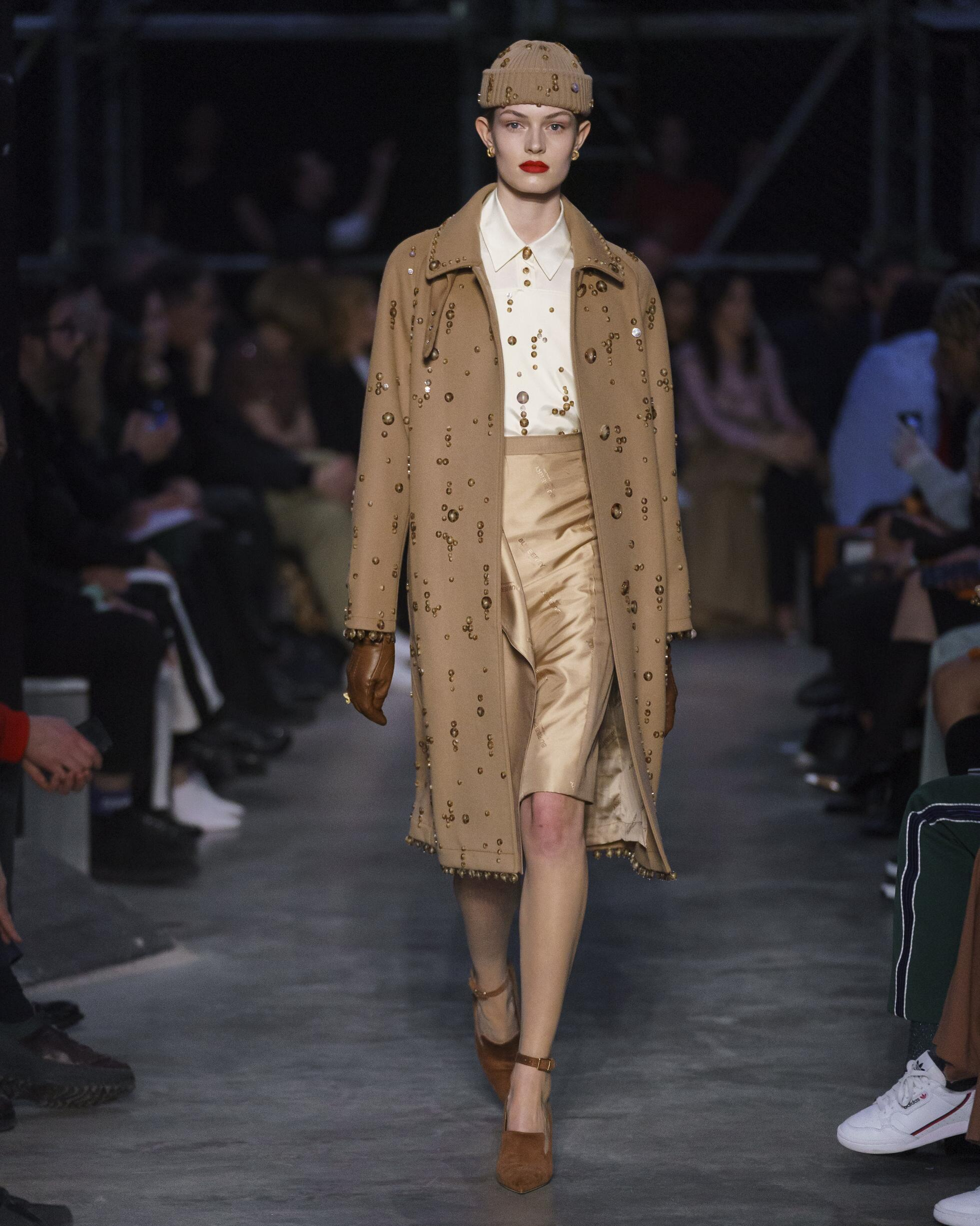 Womenswear Fall Winter Burberry 2019