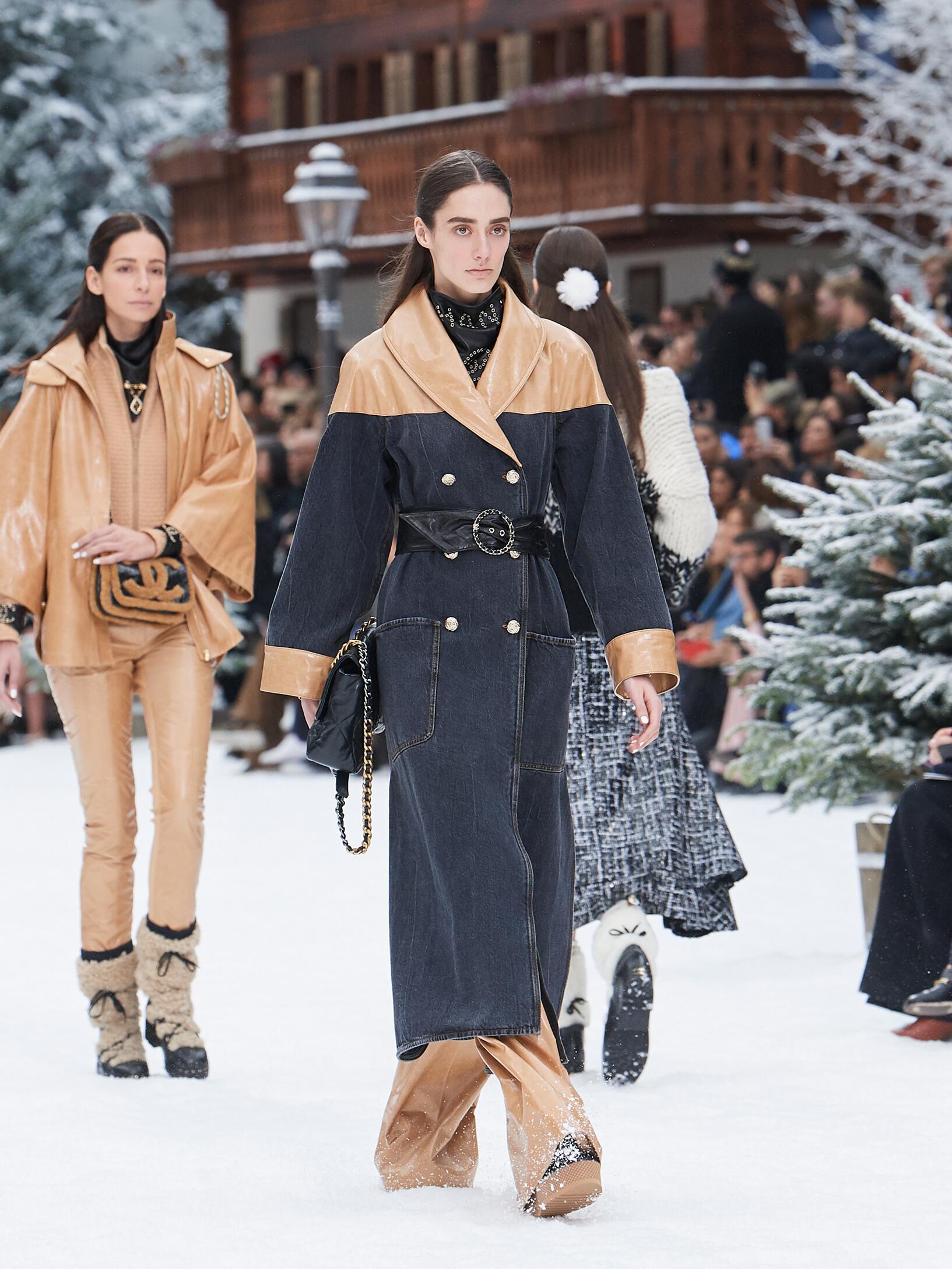 2019 Catwalk Chanel Winter
