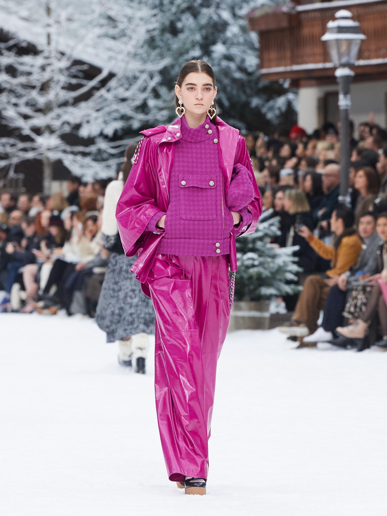 2019 Catwalk Chanel Woman Fashion Show Winter