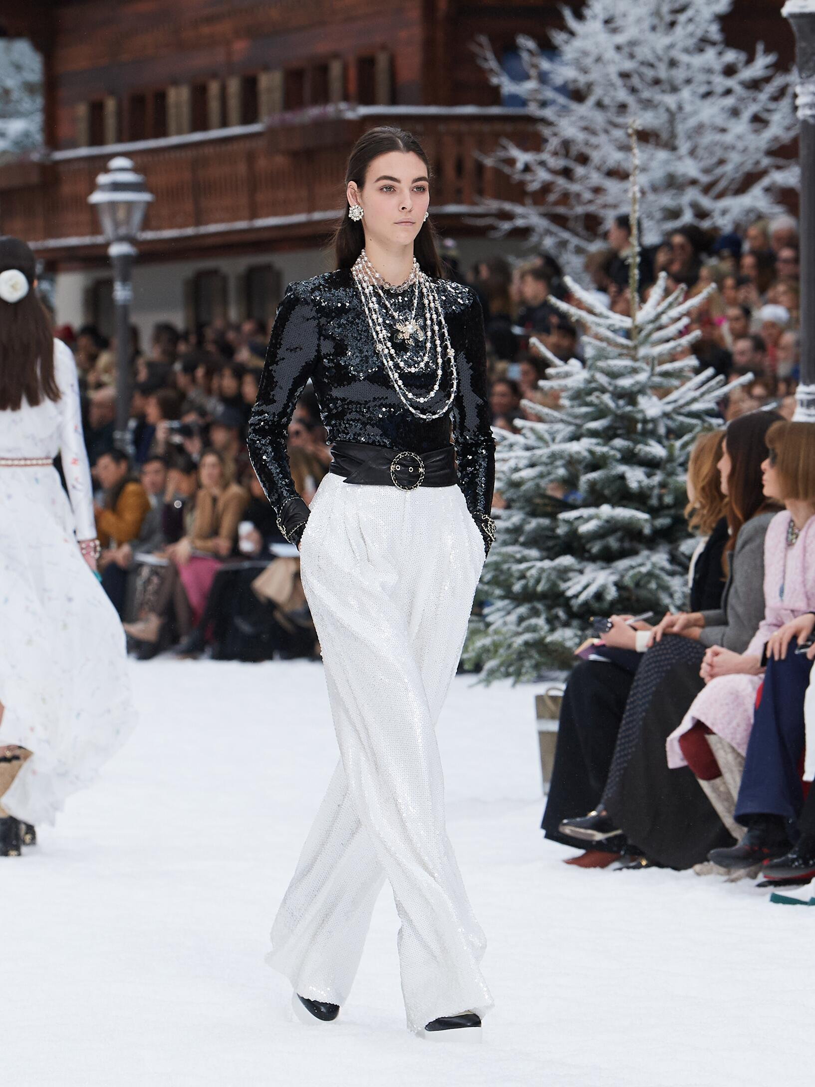 2019 Chanel Trends Paris Fashion Week