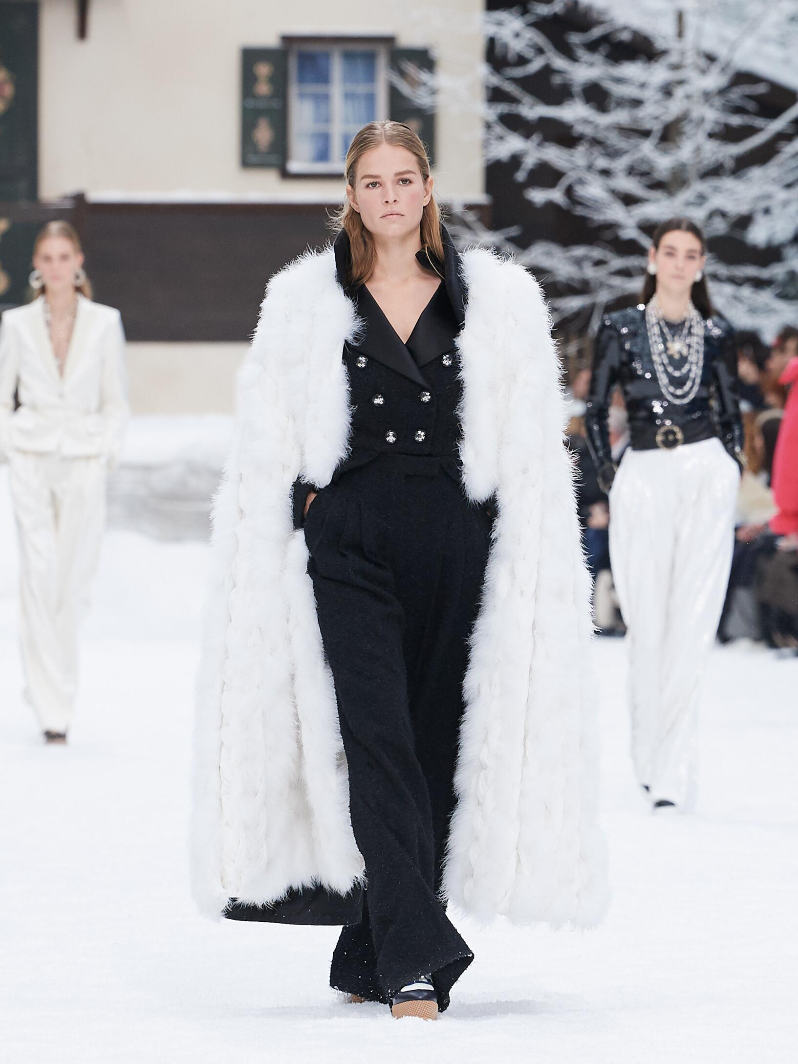 2019 Chanel Winter Runway Show