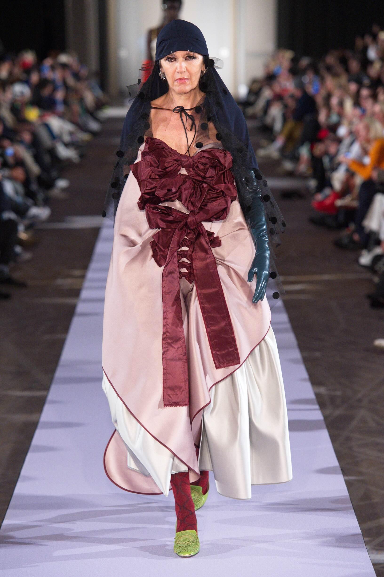 2019 Woman Andreas Kronthaler for Vivienne Westwood Trends Paris Fashion Week
