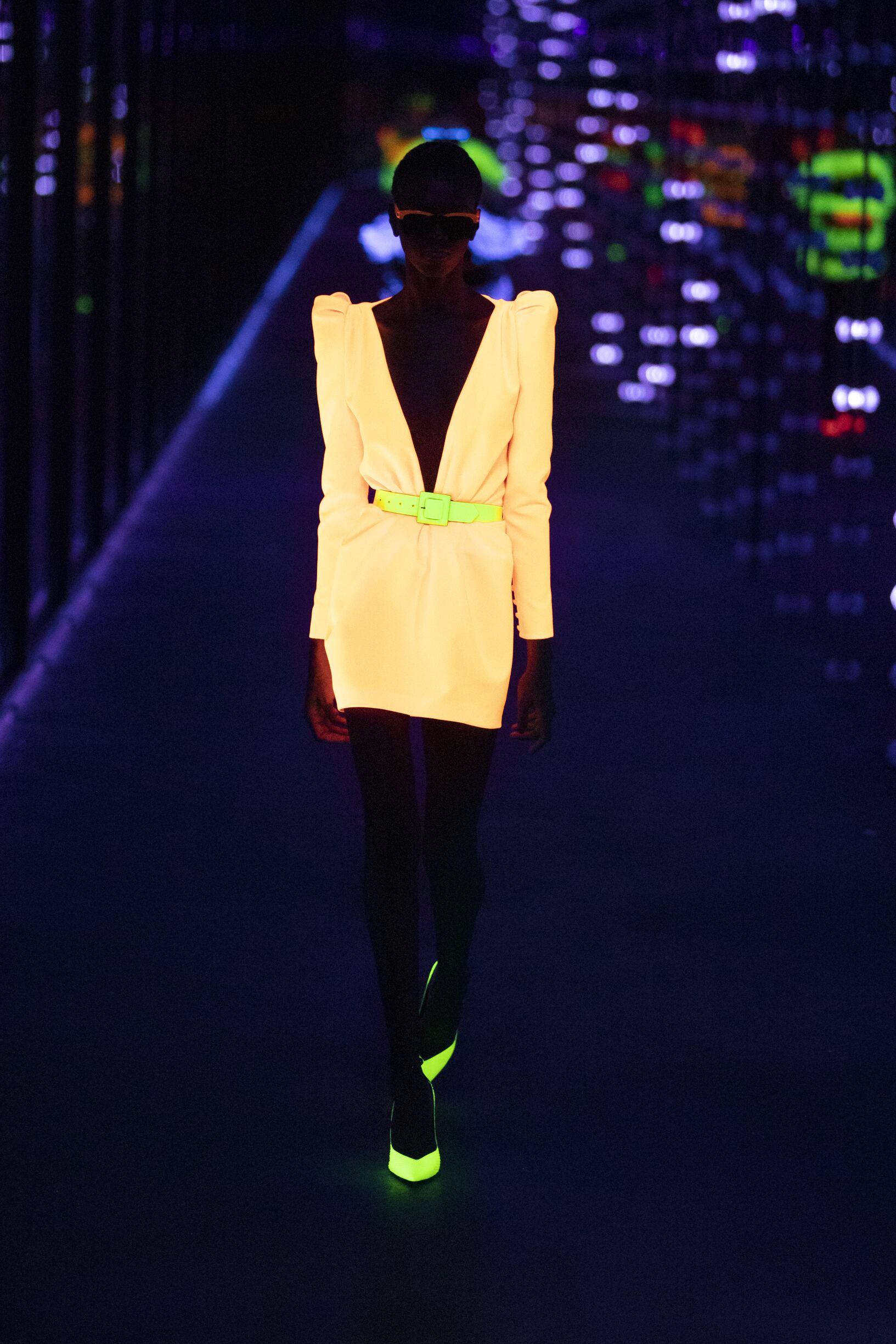 2019 Woman Saint Laurent Trends Paris Fashion Week