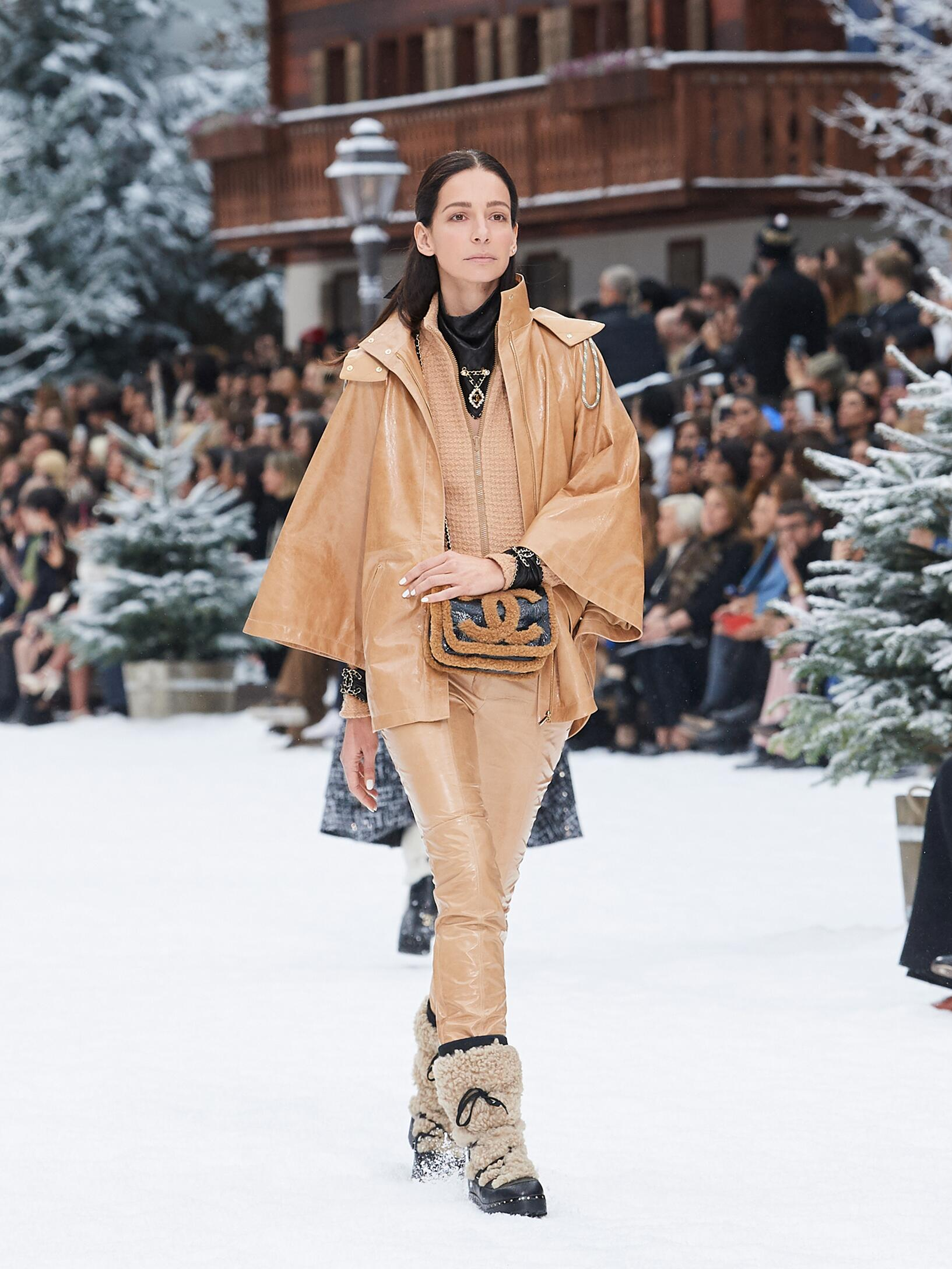 2019 Woman Style Chanel