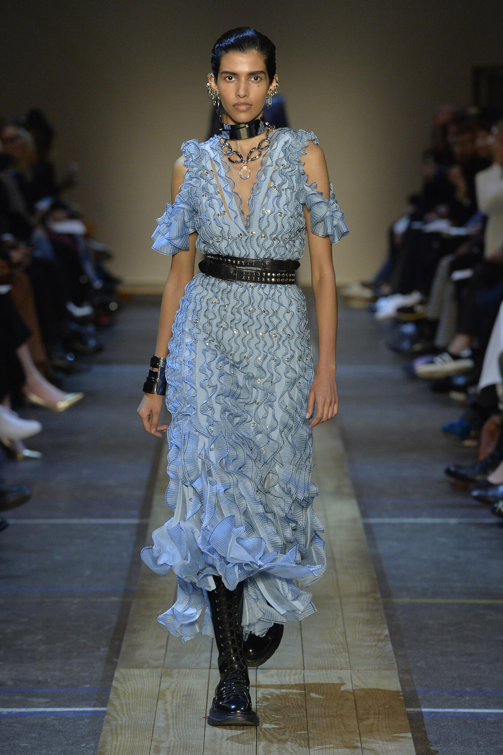 Alexander McQueen Paris Fashion Week Womenswear Trends