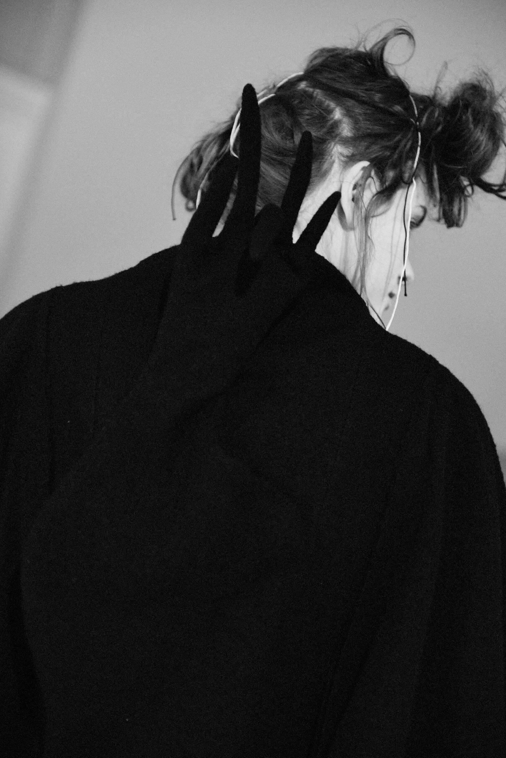 Backstage Yohji Yamamoto Fall Womenswear 2019