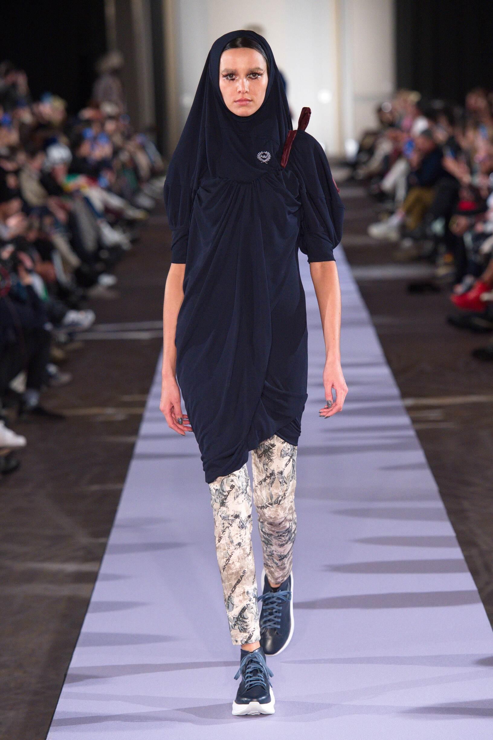 Catwalk Andreas Kronthaler for Vivienne Westwood Winter 2019