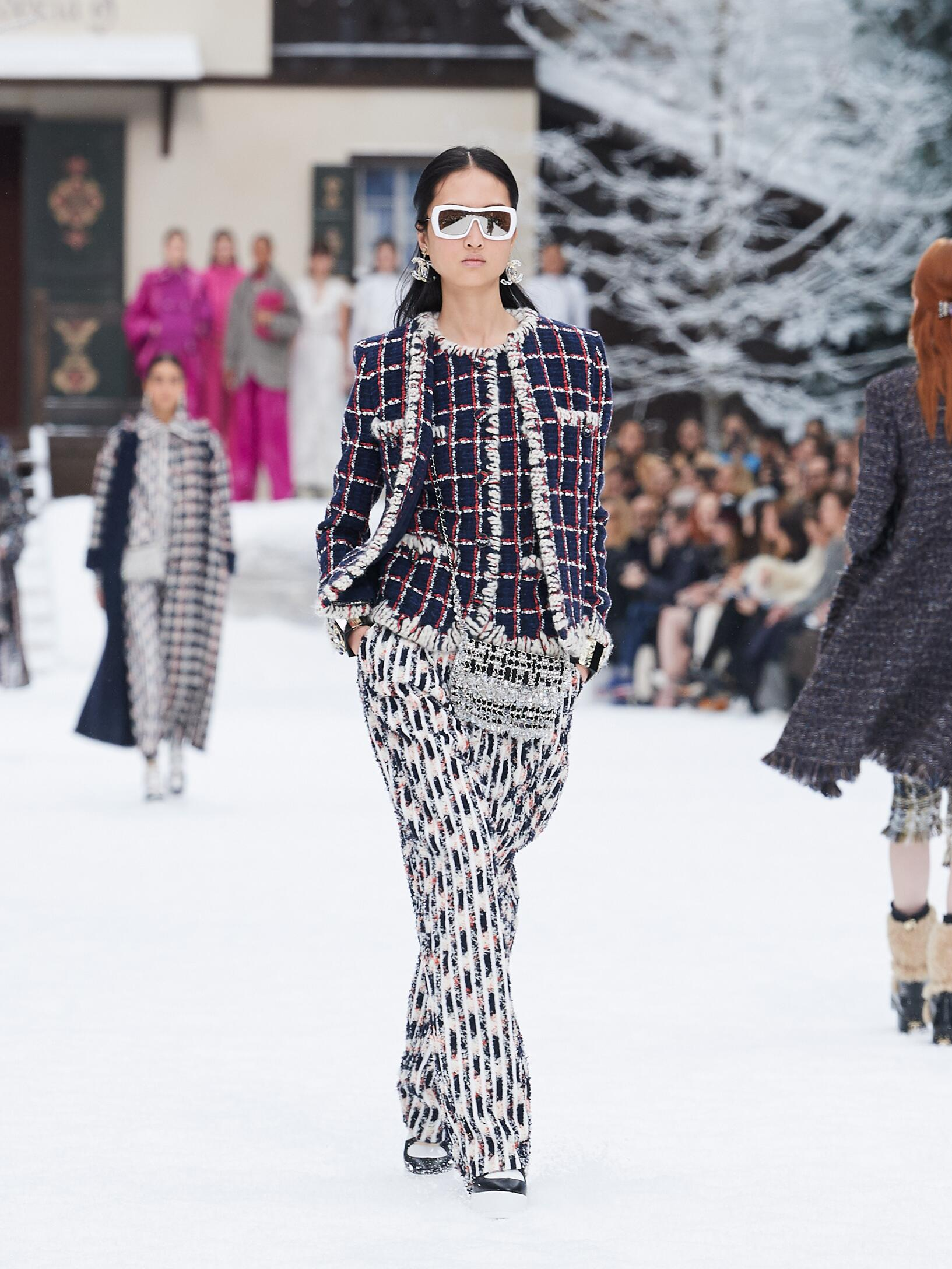 Catwalk Chanel Women Fashion Show Winter 2019