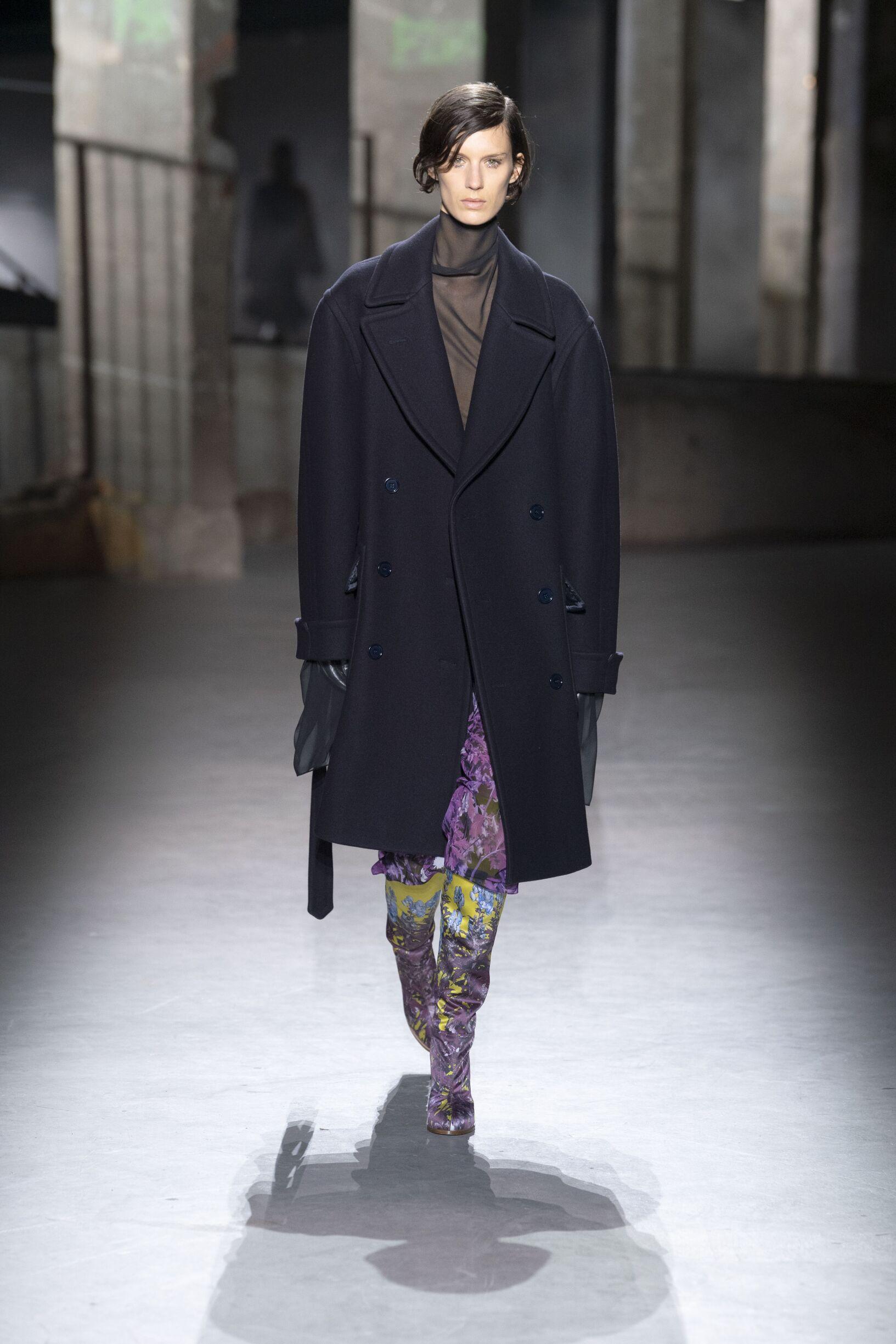 Catwalk Dries van Noten Woman Fashion Show Winter 2019