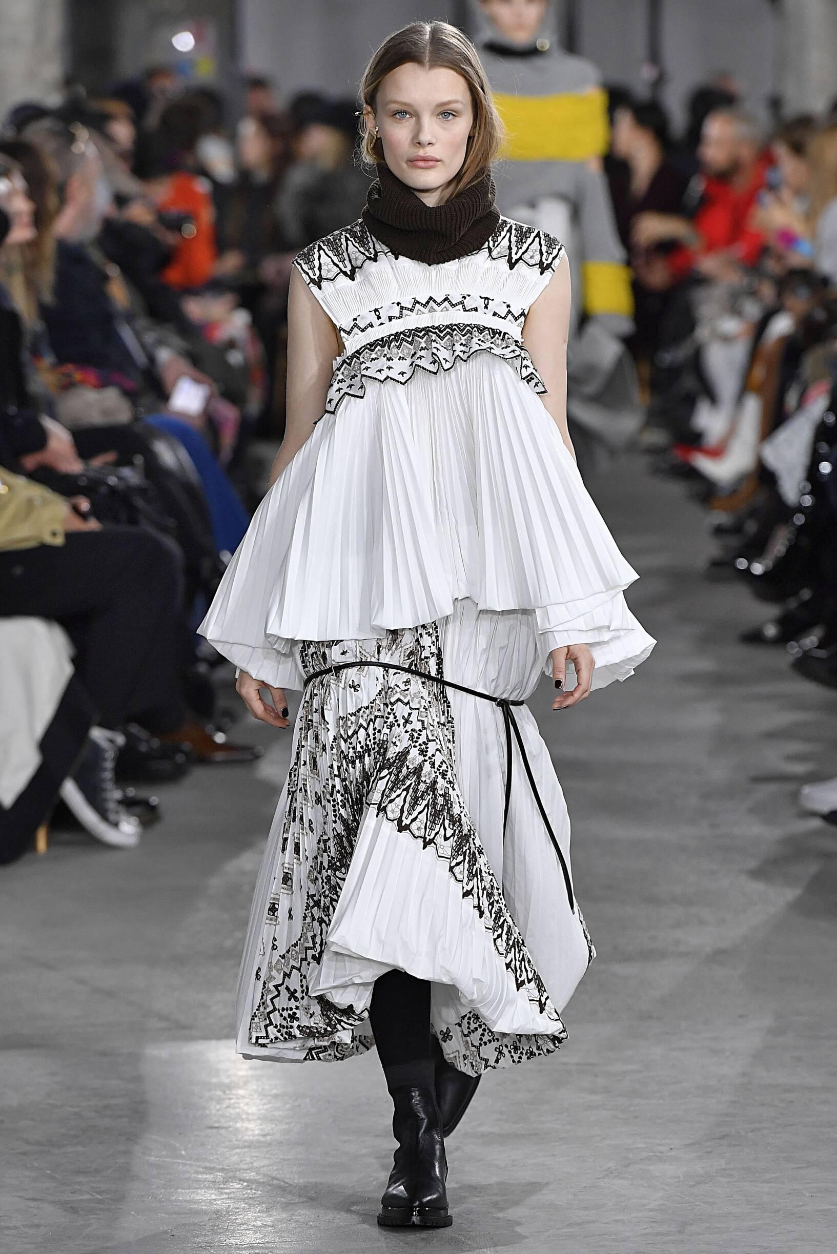Catwalk Sacai Woman Fashion Show Winter 2019