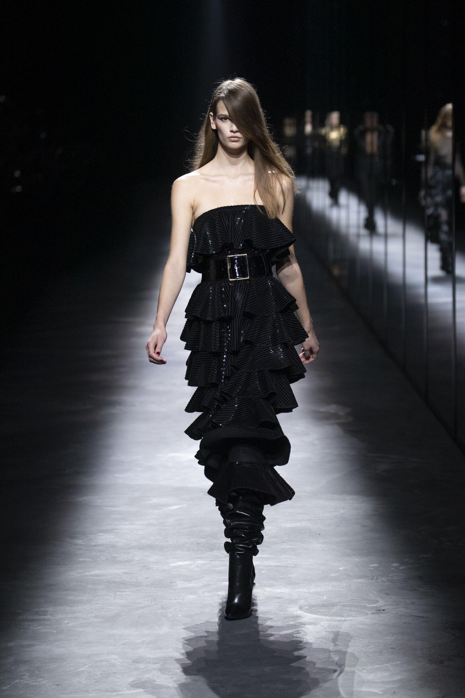 Catwalk Saint Laurent Woman Fashion Show Winter 2019