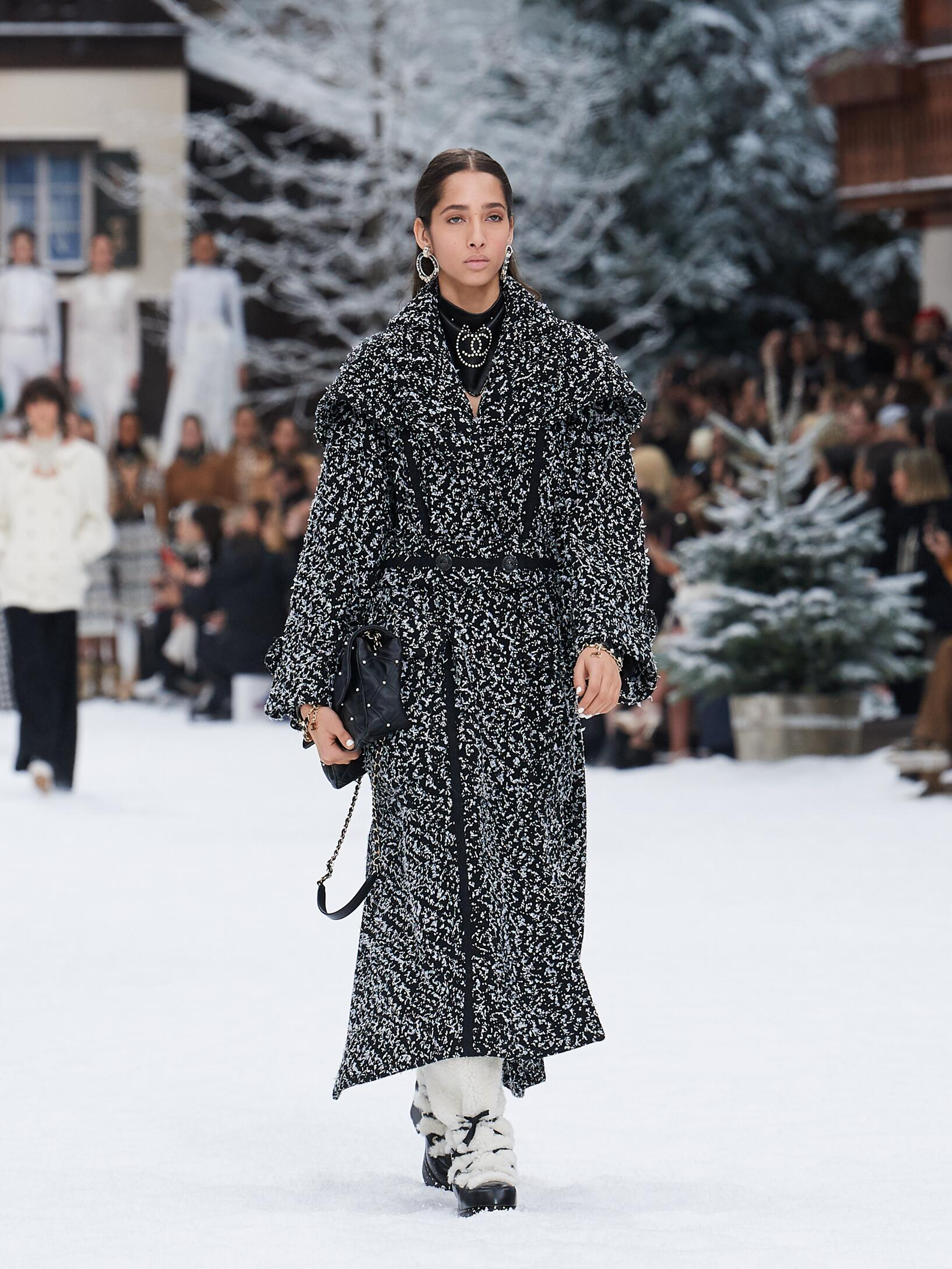 chanel fall winter 2019 women's collection  the skinny beep