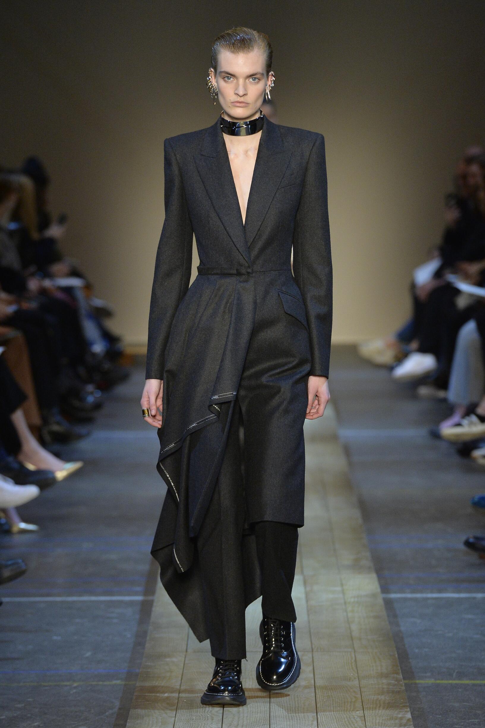 FW 2019-20 Alexander McQueen Fashion Show