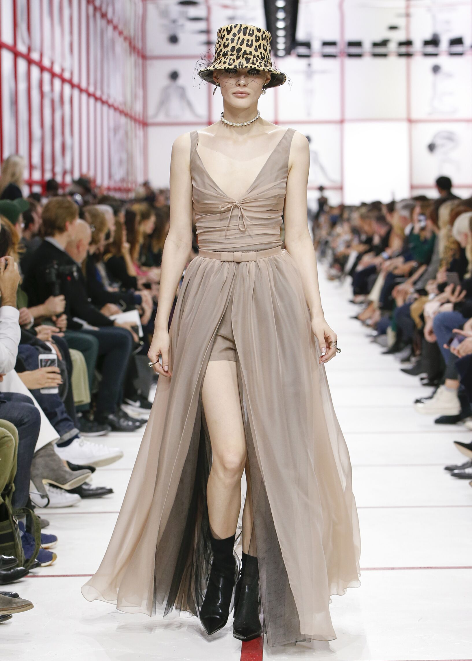 FW 2019-20 Dior Show Paris Fashion Week Womenswear