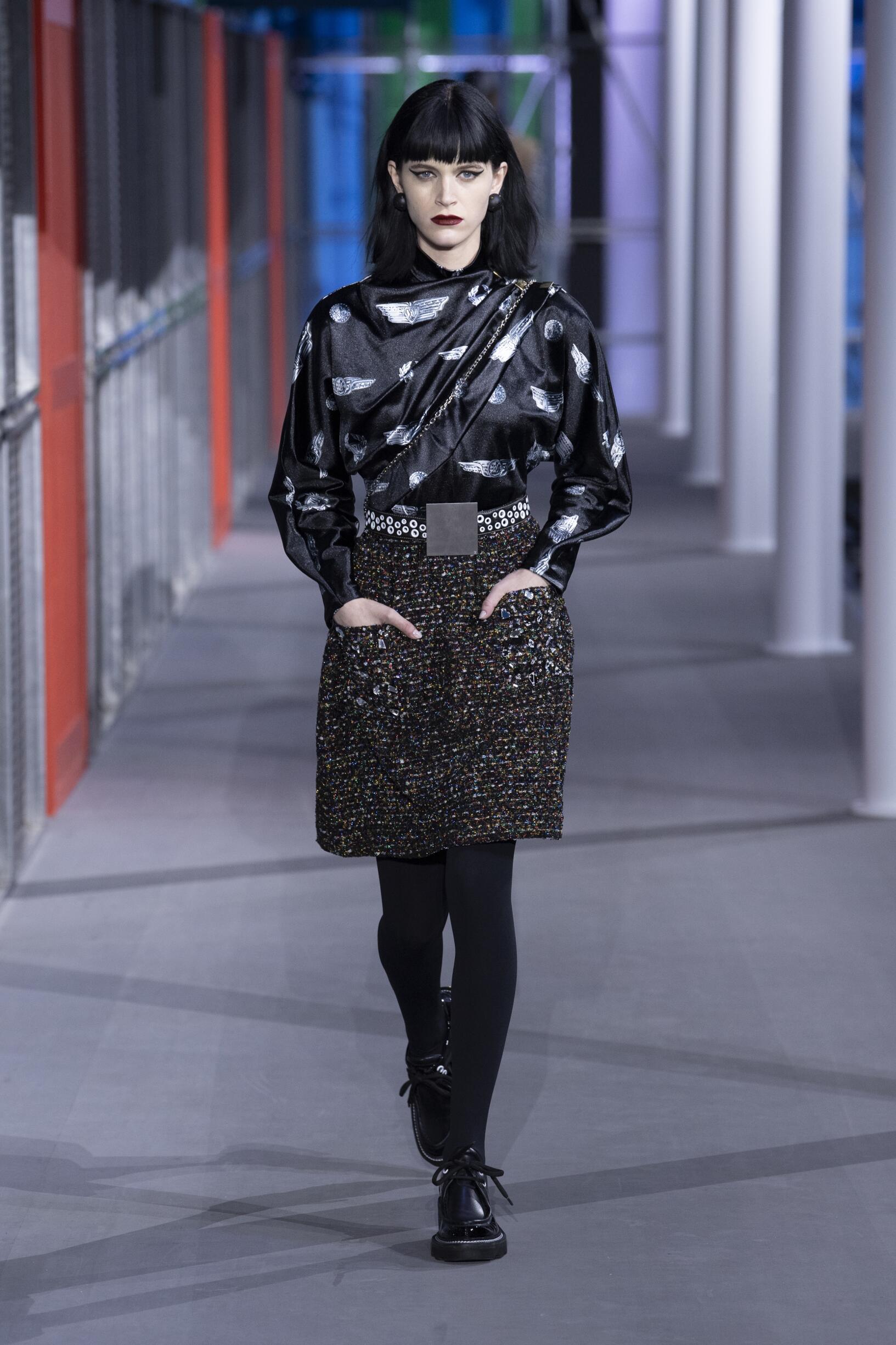 078c018262a FW 2019-20 Fashion Show Louis Vuitton