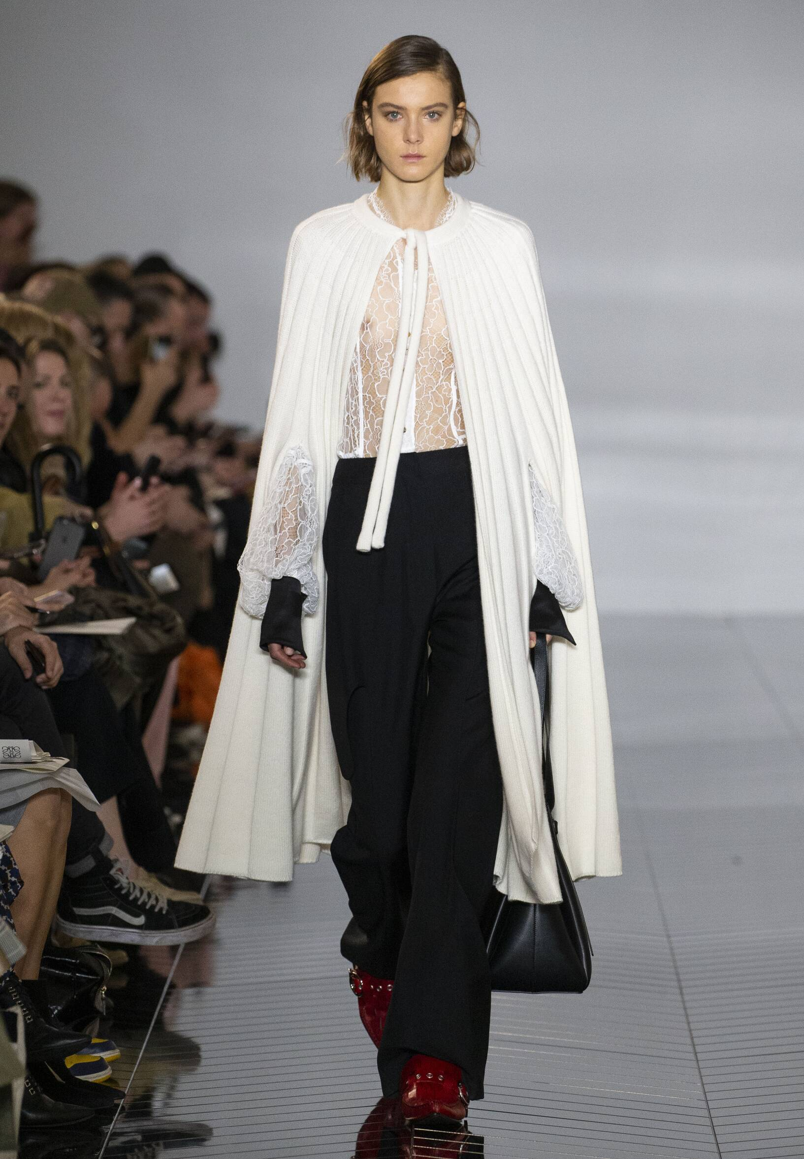 FW 2019-20 Loewe Fashion Show