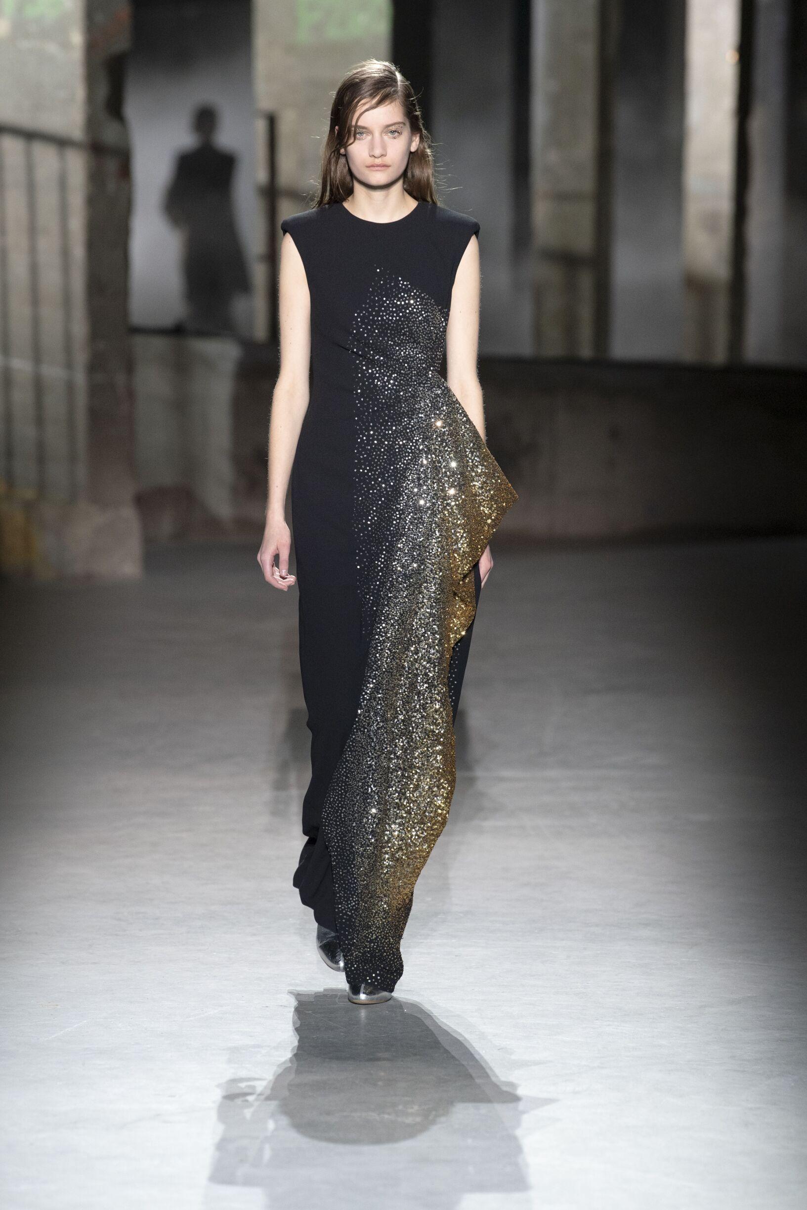 FW 2019 Dries van Noten Show Paris Fashion Week