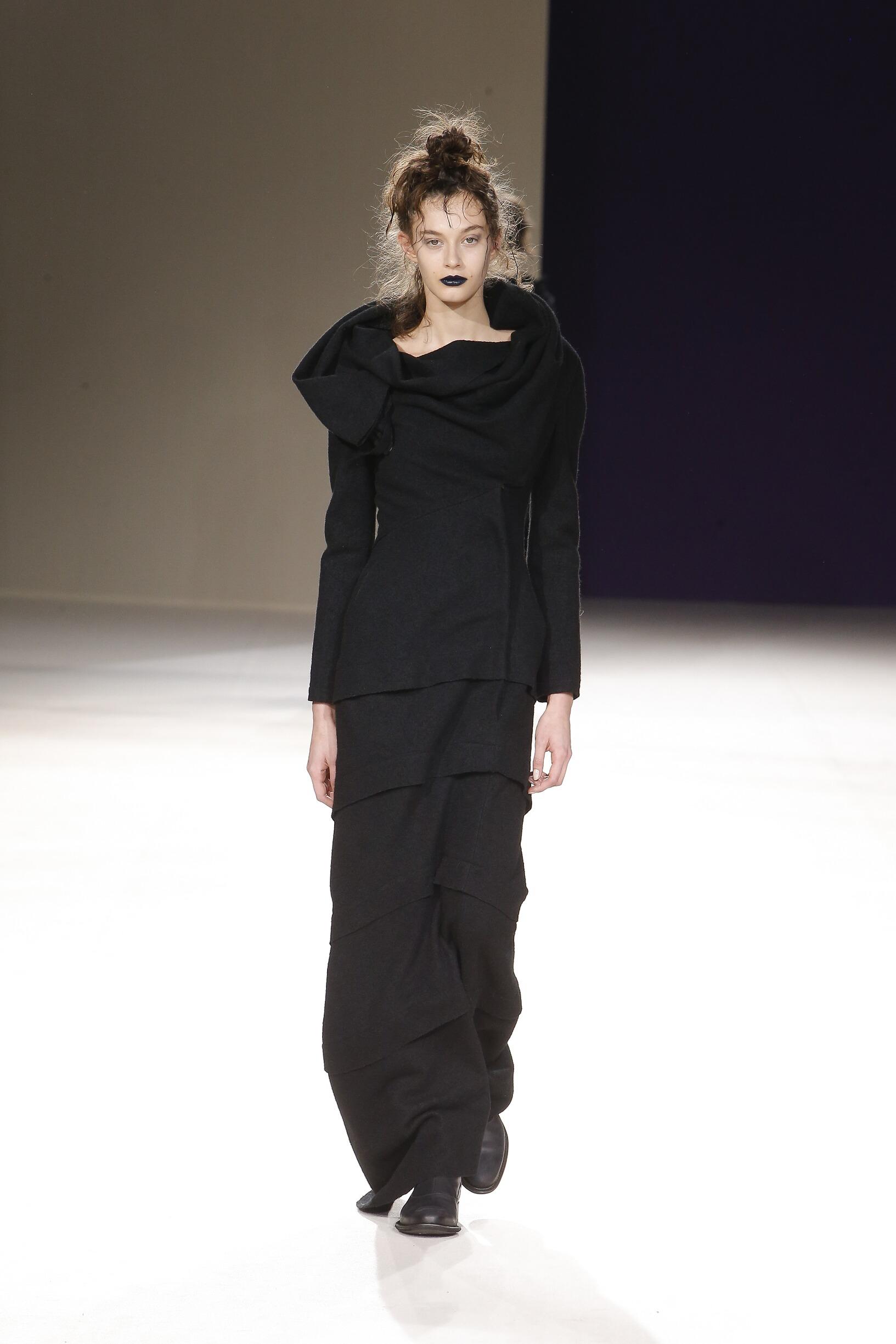 Fall 2019 Womenswear Yohji Yamamoto