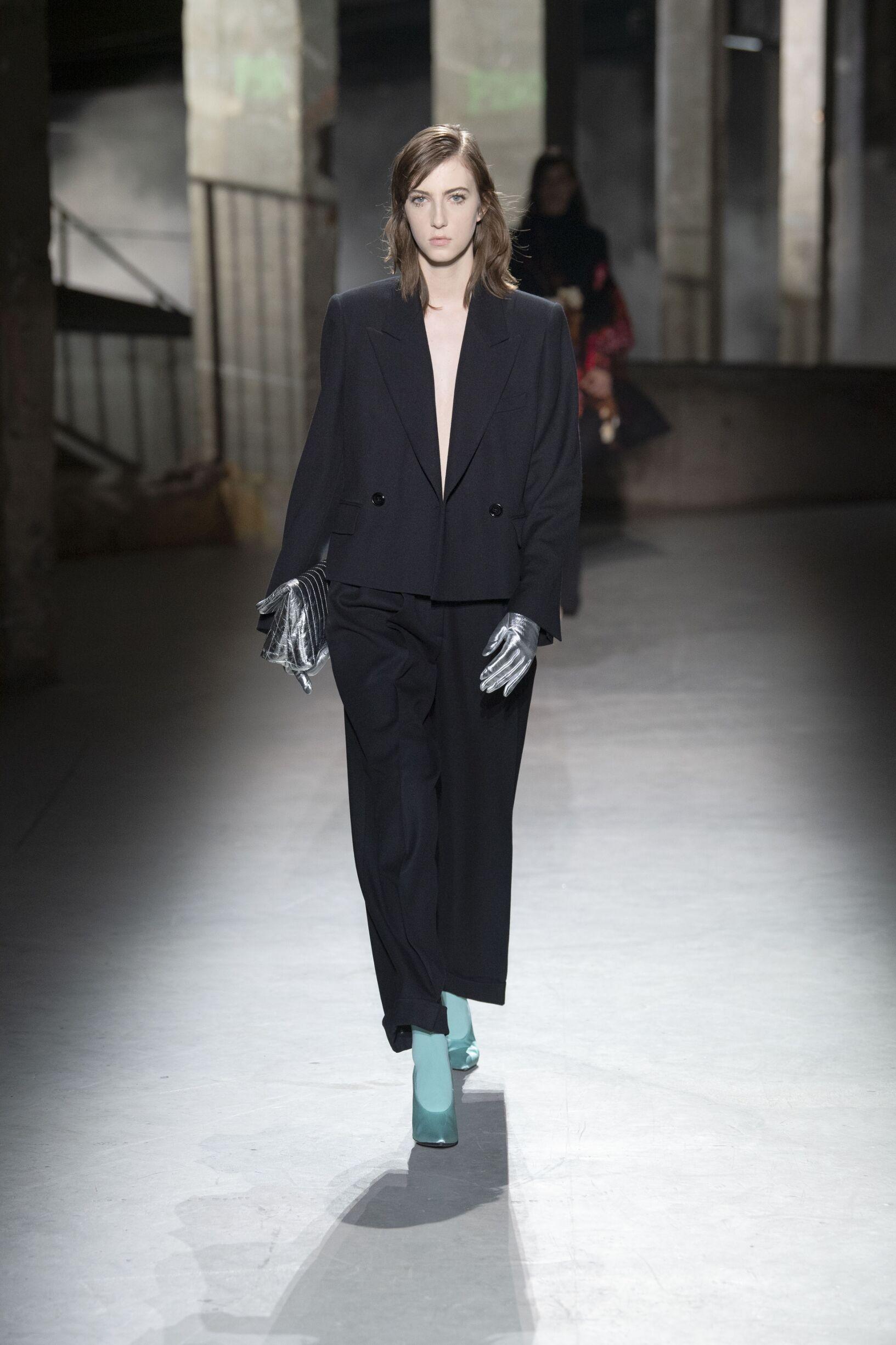 Fashion 2019 Catwalk Dries van Noten Winter Womens Collection